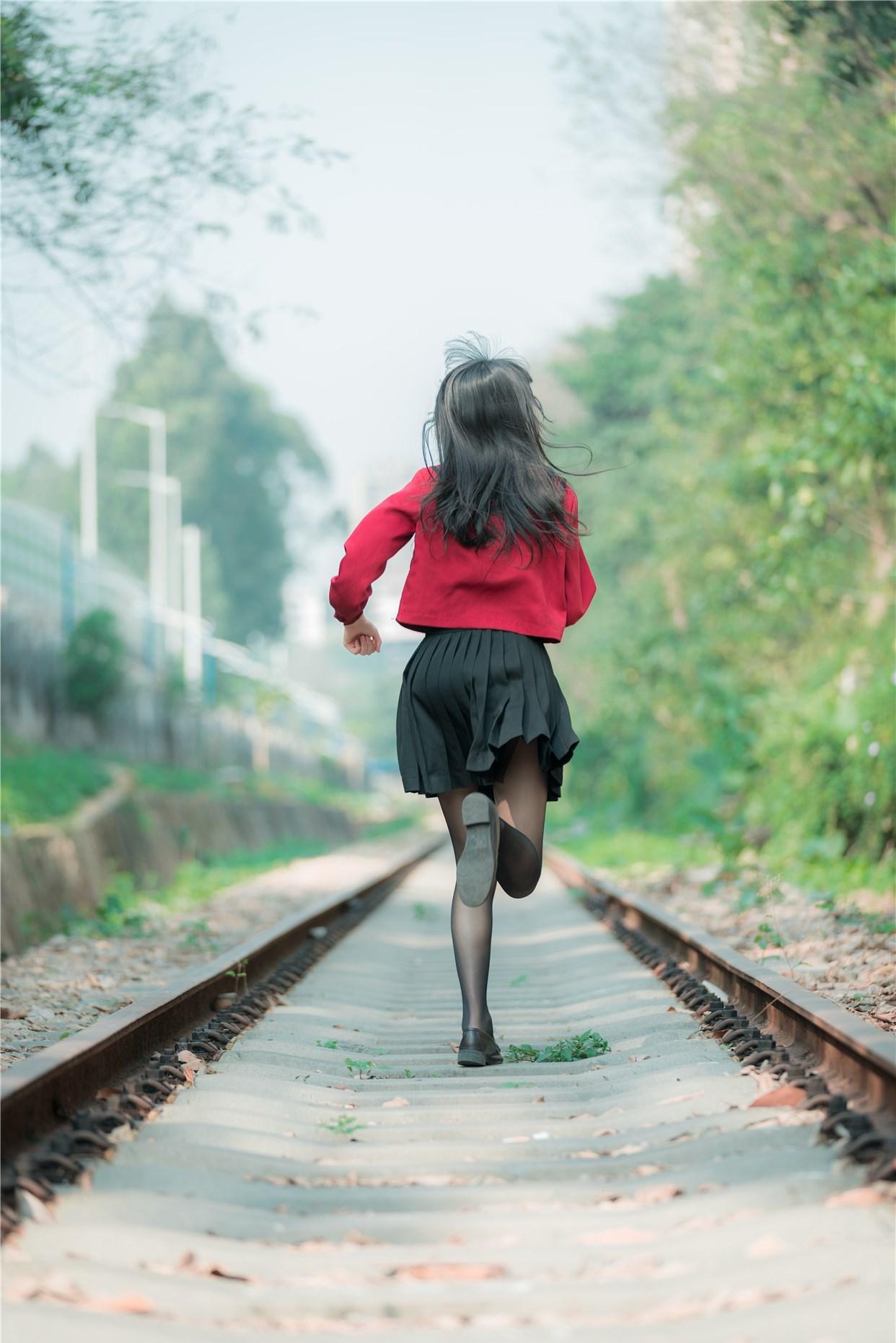 【兔玩映画】奔跑的红色JK 兔玩映画 第2张