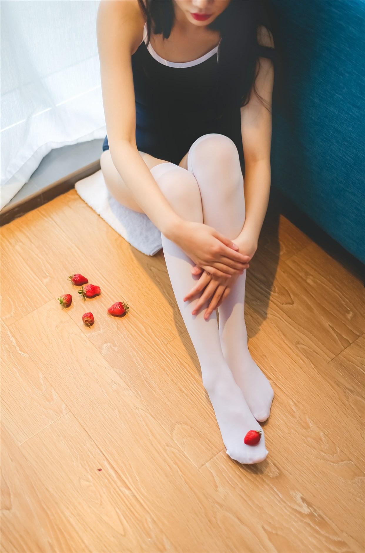 【兔玩映画】草莓,牛奶,死库水 兔玩映画 第25张