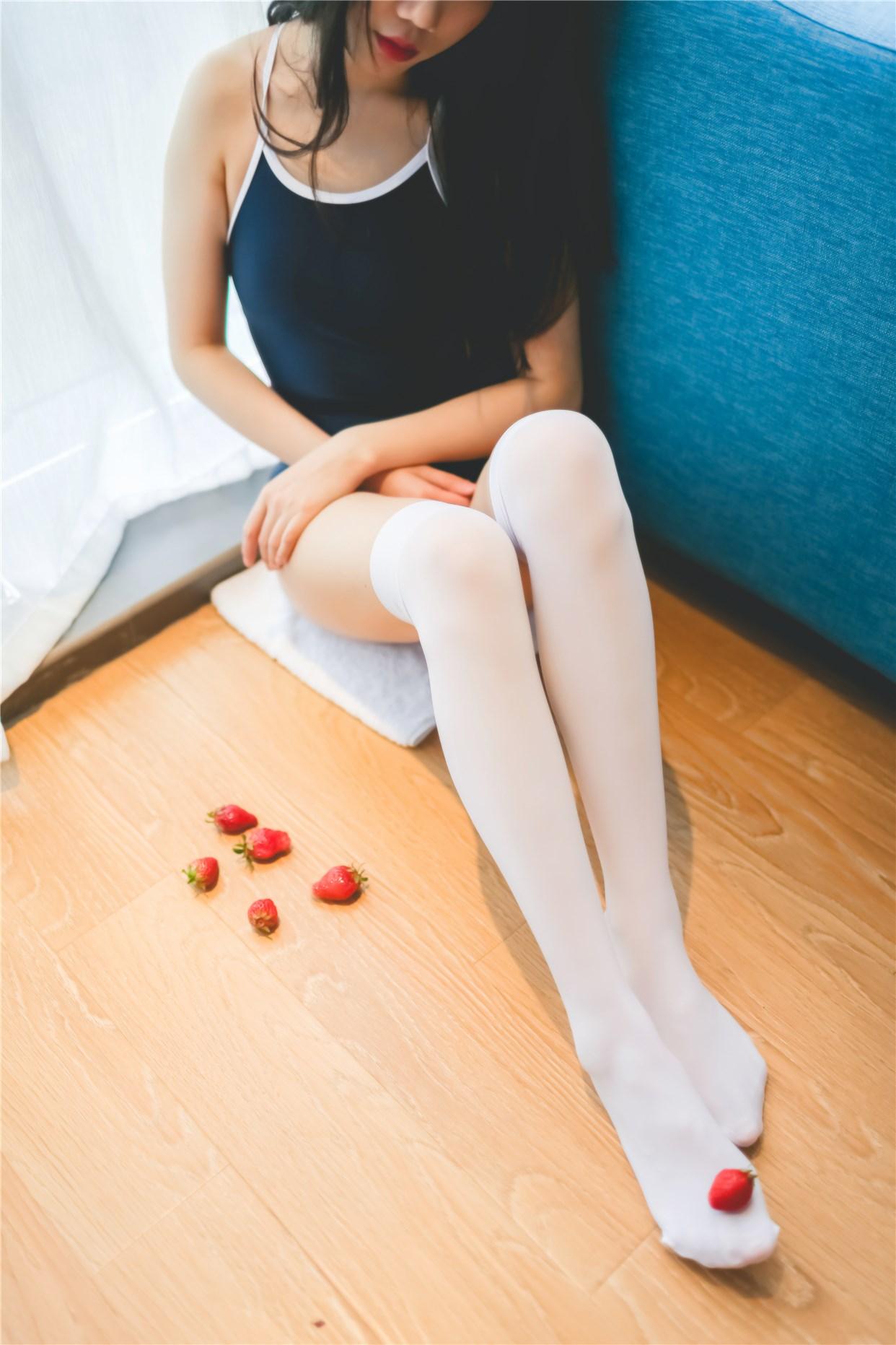 【兔玩映画】草莓,牛奶,死库水 兔玩映画 第26张