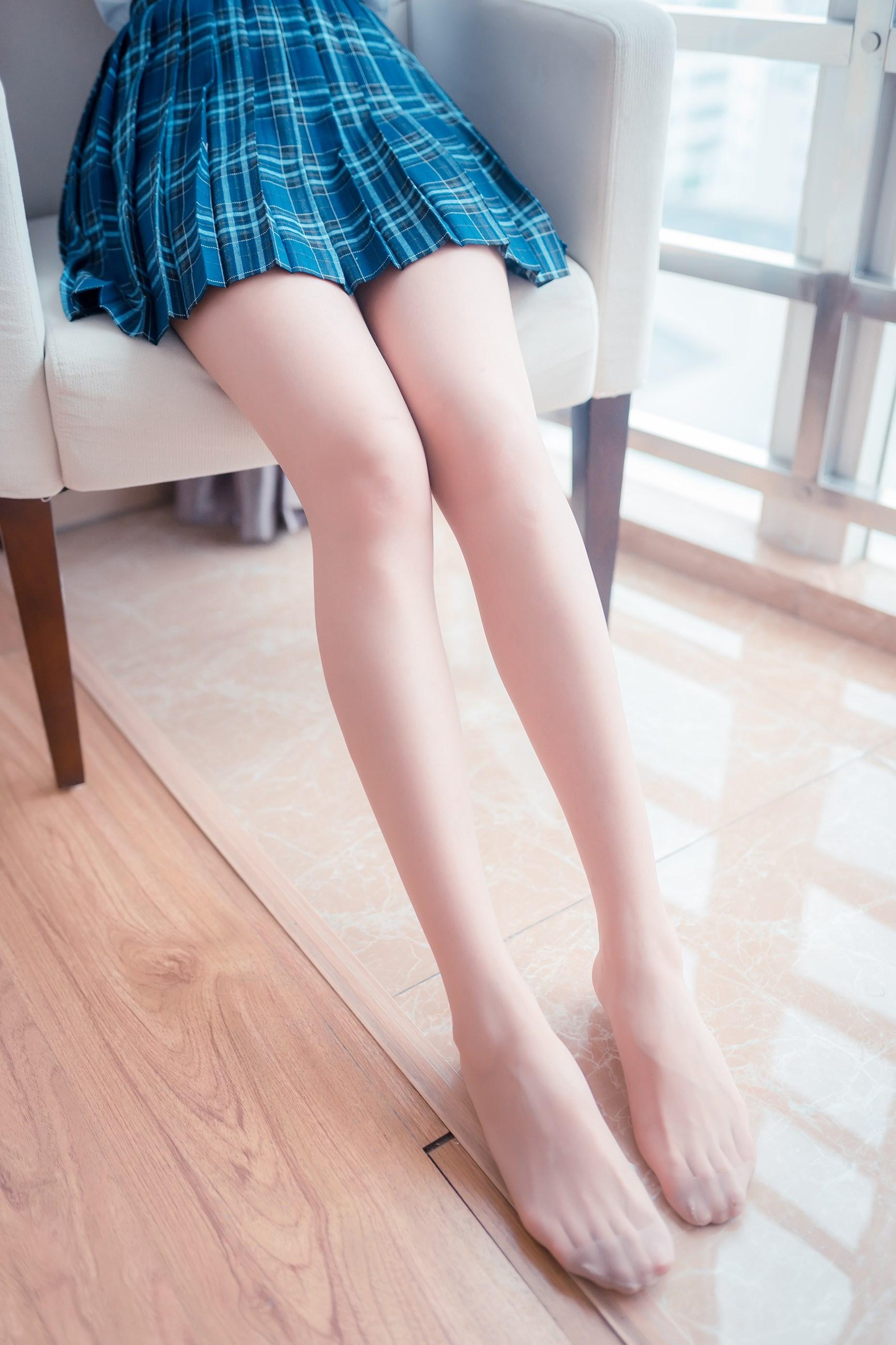 【兔玩映画】蓝色格裙和肉丝 兔玩映画 第14张
