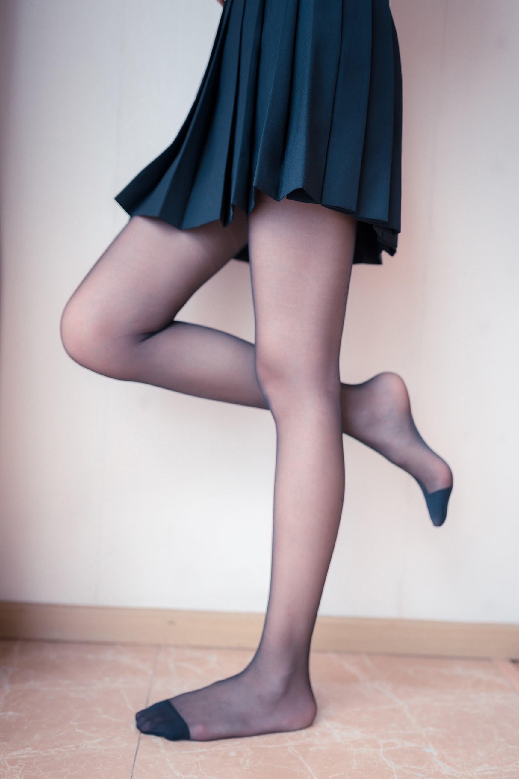 【兔玩映画】黑丝和百褶裙 兔玩映画 第6张