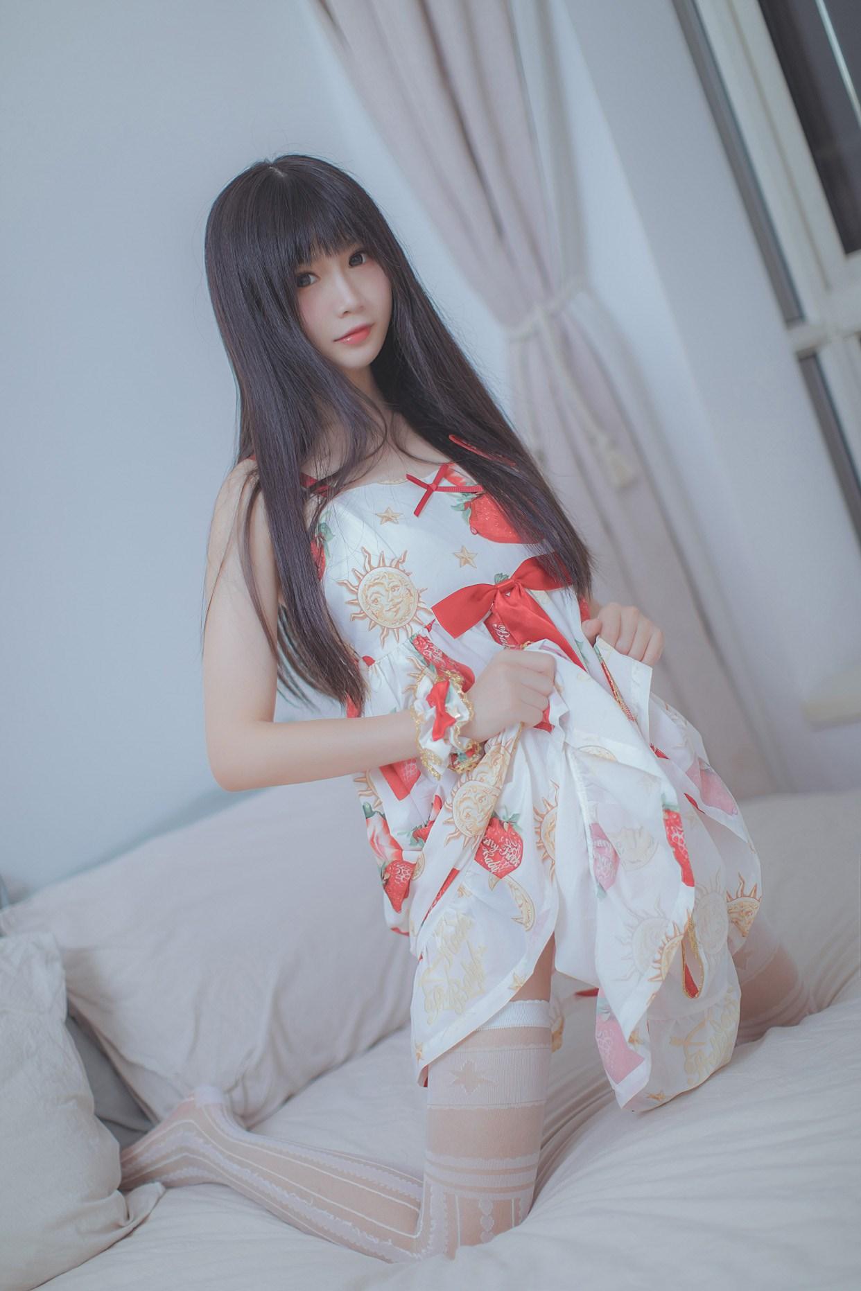 【兔玩映画】草莓小裙子 兔玩映画 第2张