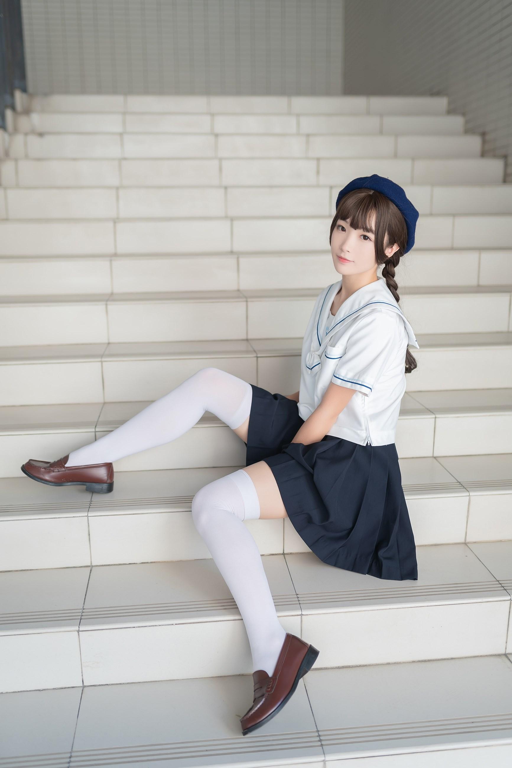 【兔玩映画】楼梯上的白丝少女 兔玩映画 第3张