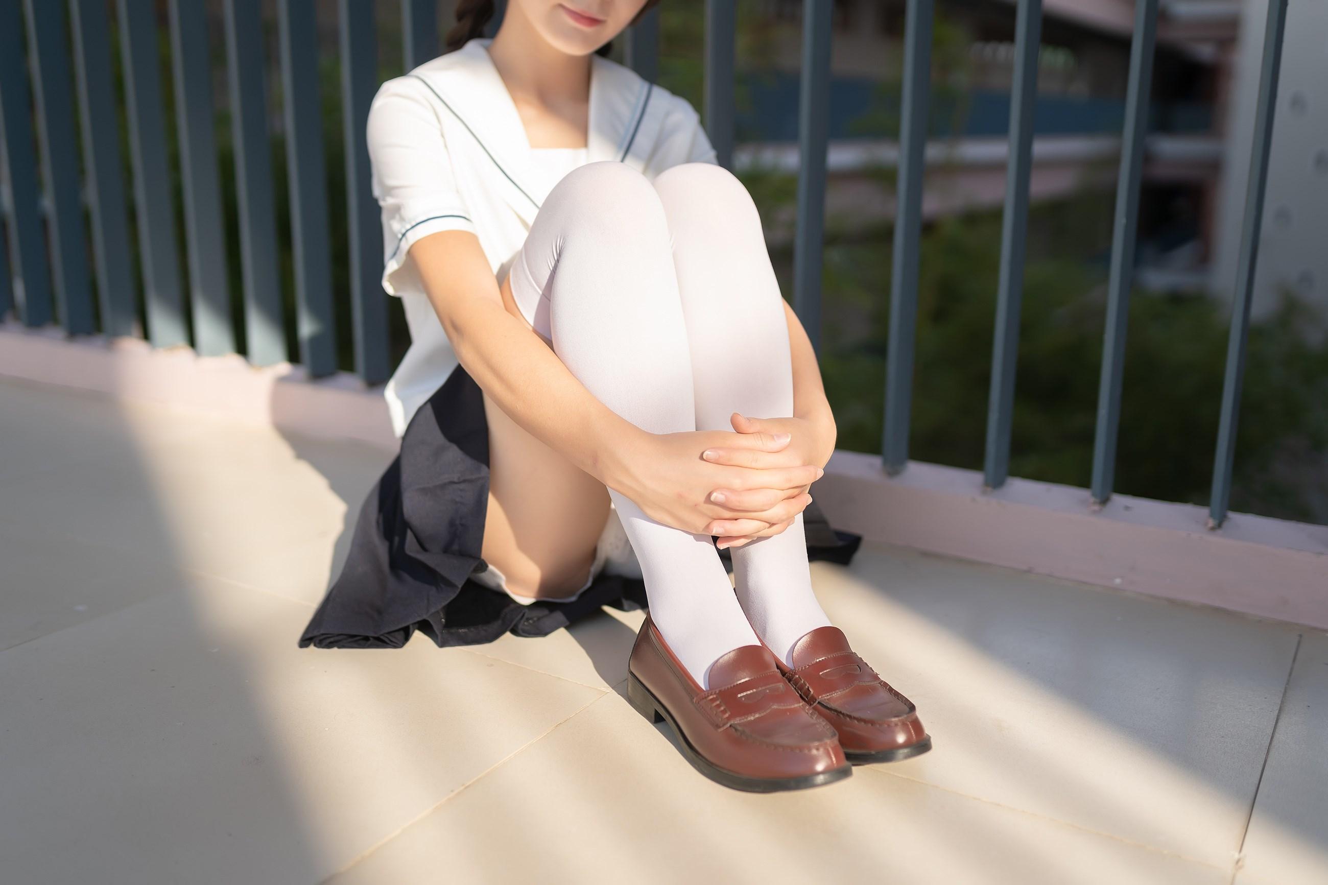【兔玩映画】楼梯上的白丝少女 兔玩映画 第9张