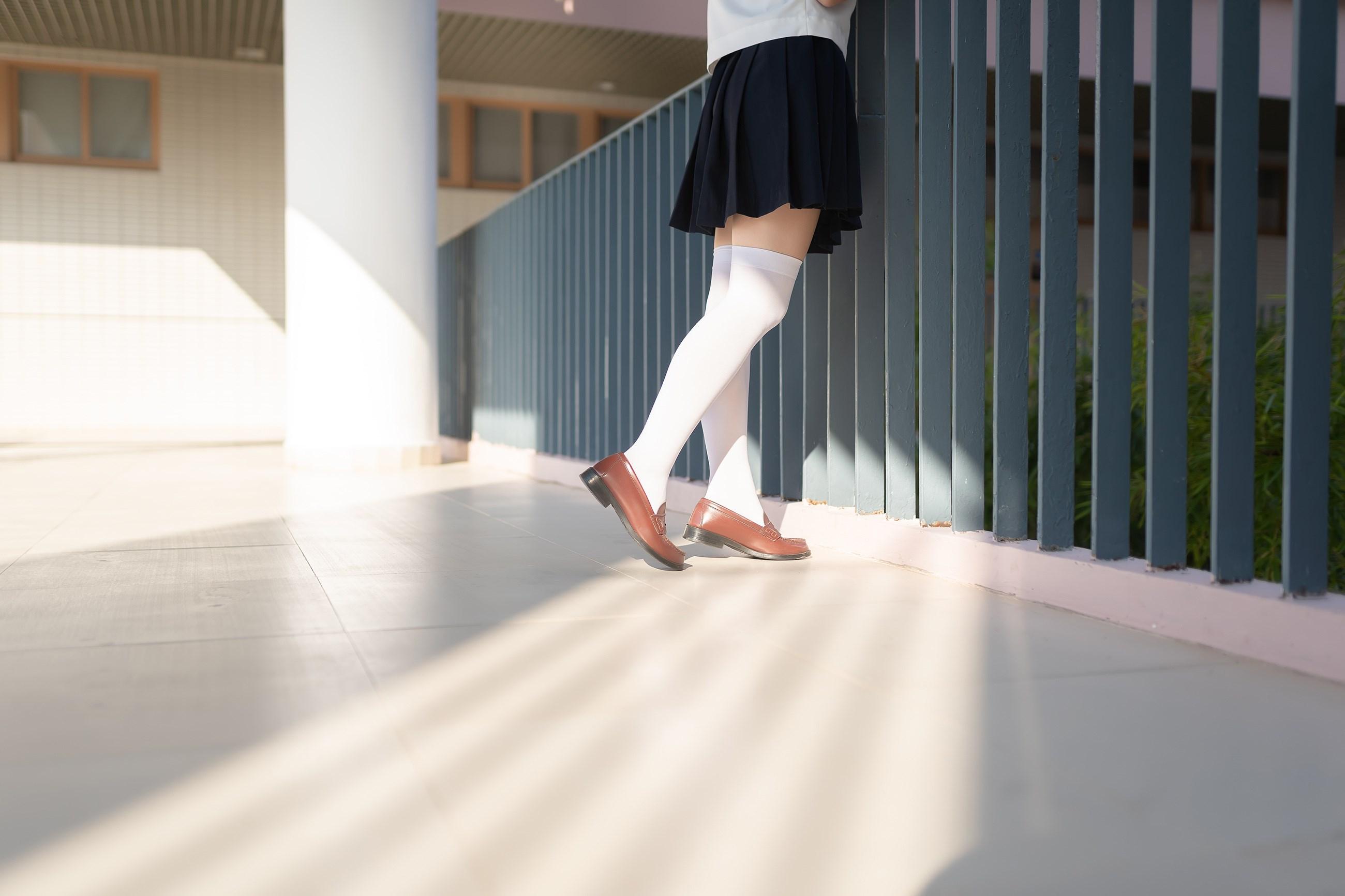 【兔玩映画】楼梯上的白丝少女 兔玩映画 第10张
