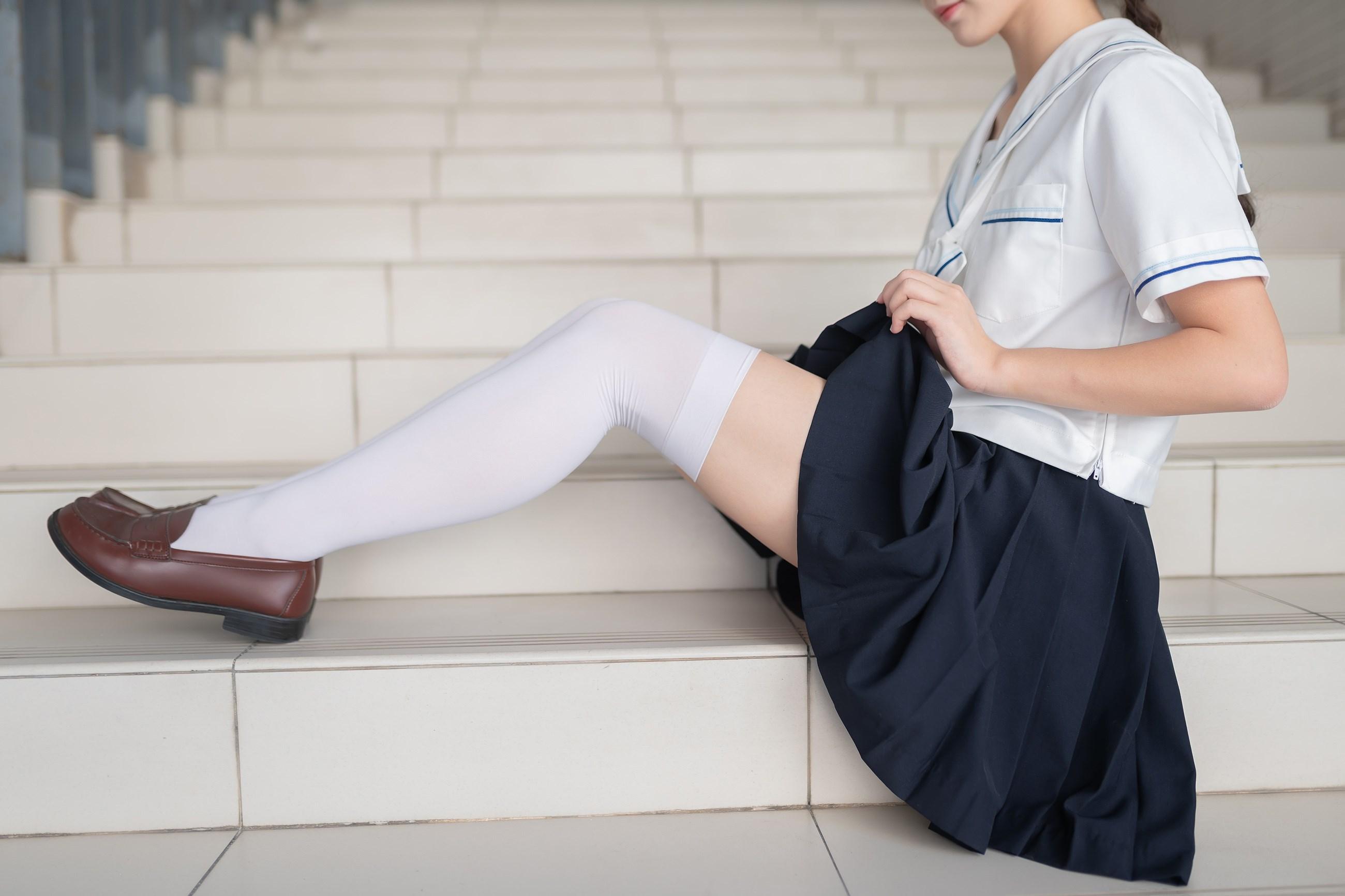 【兔玩映画】楼梯上的白丝少女 兔玩映画 第13张