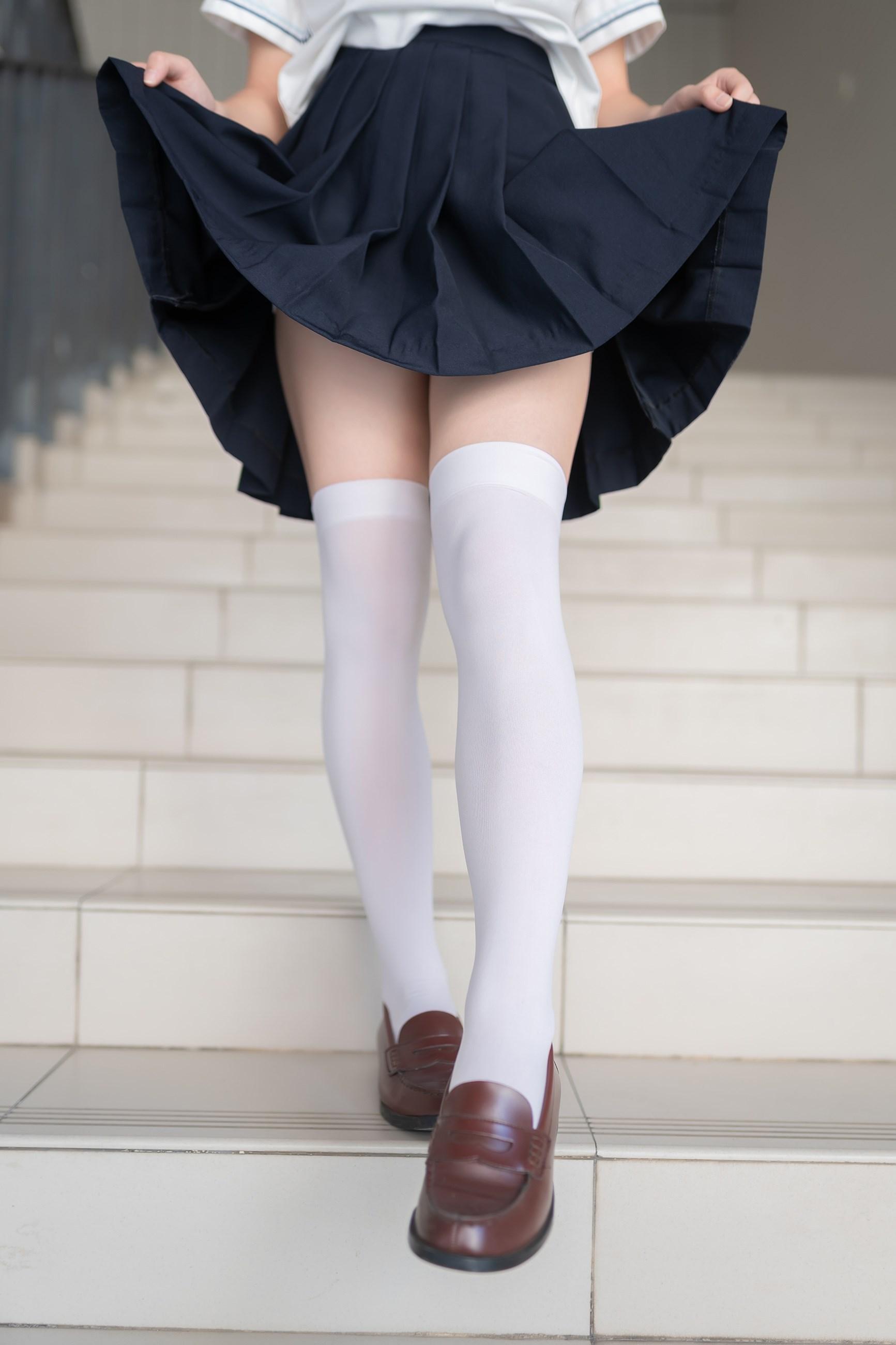 【兔玩映画】楼梯上的白丝少女 兔玩映画 第14张