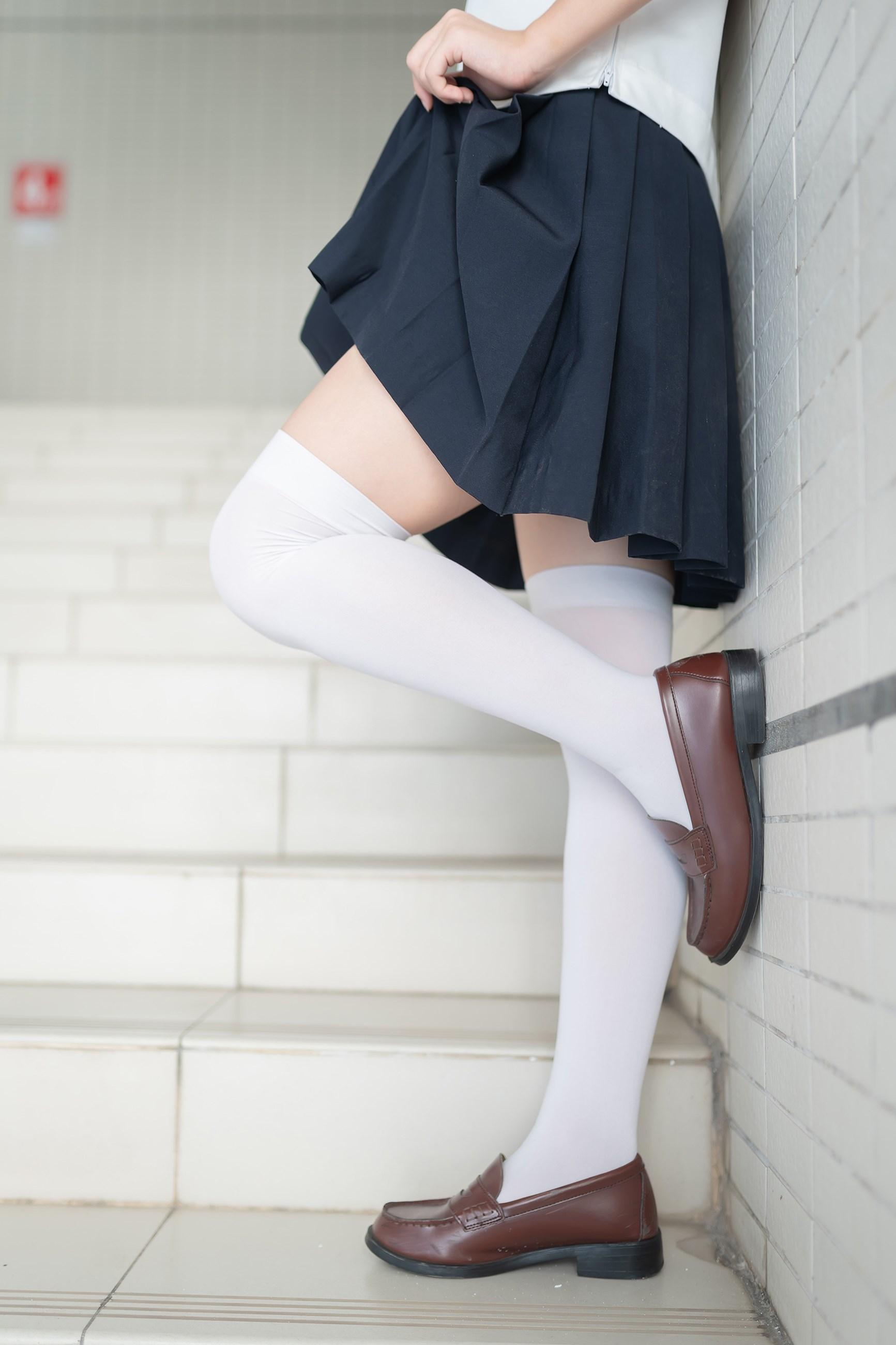 【兔玩映画】楼梯上的白丝少女 兔玩映画 第18张
