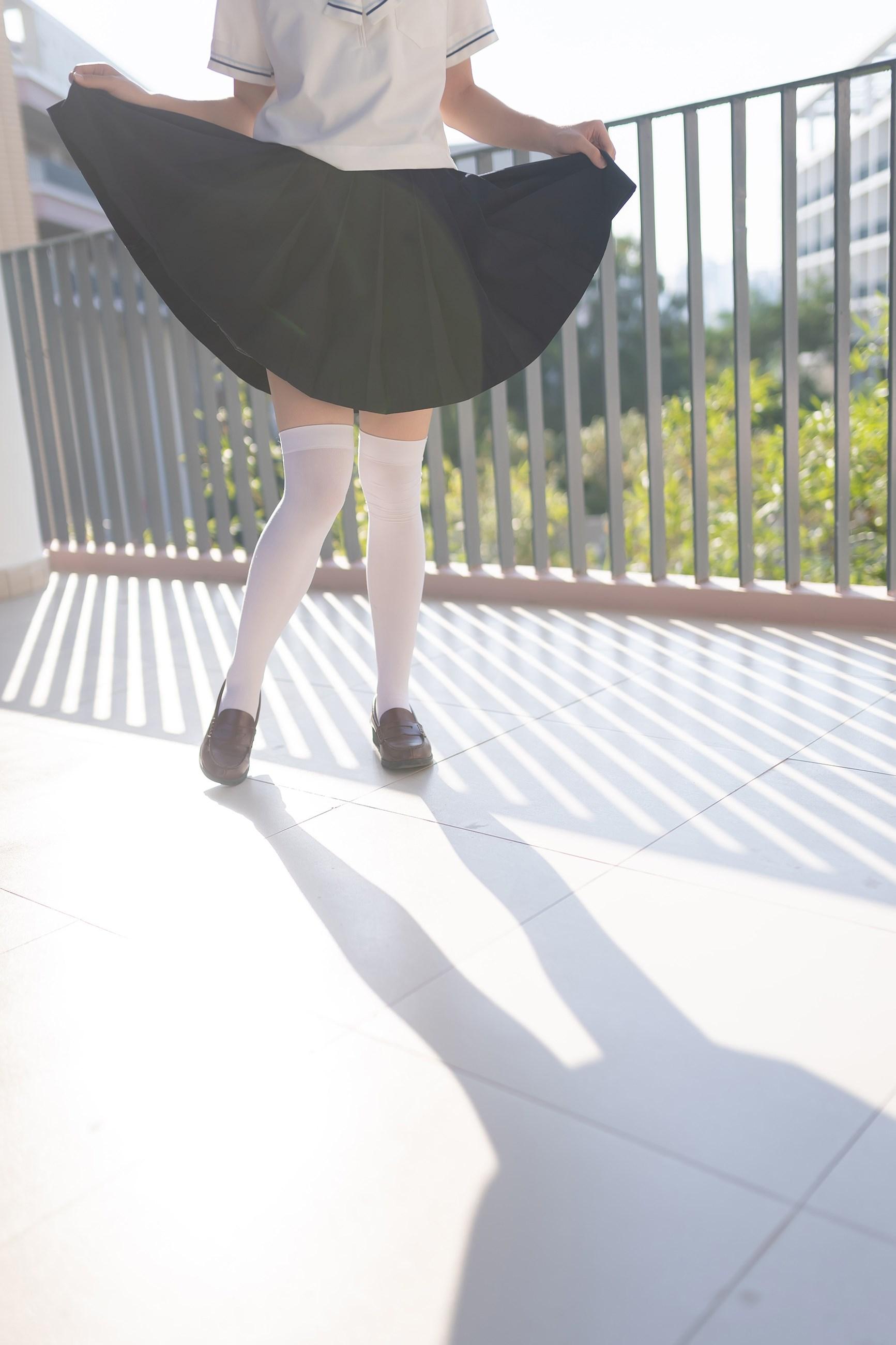 【兔玩映画】楼梯上的白丝少女 兔玩映画 第22张