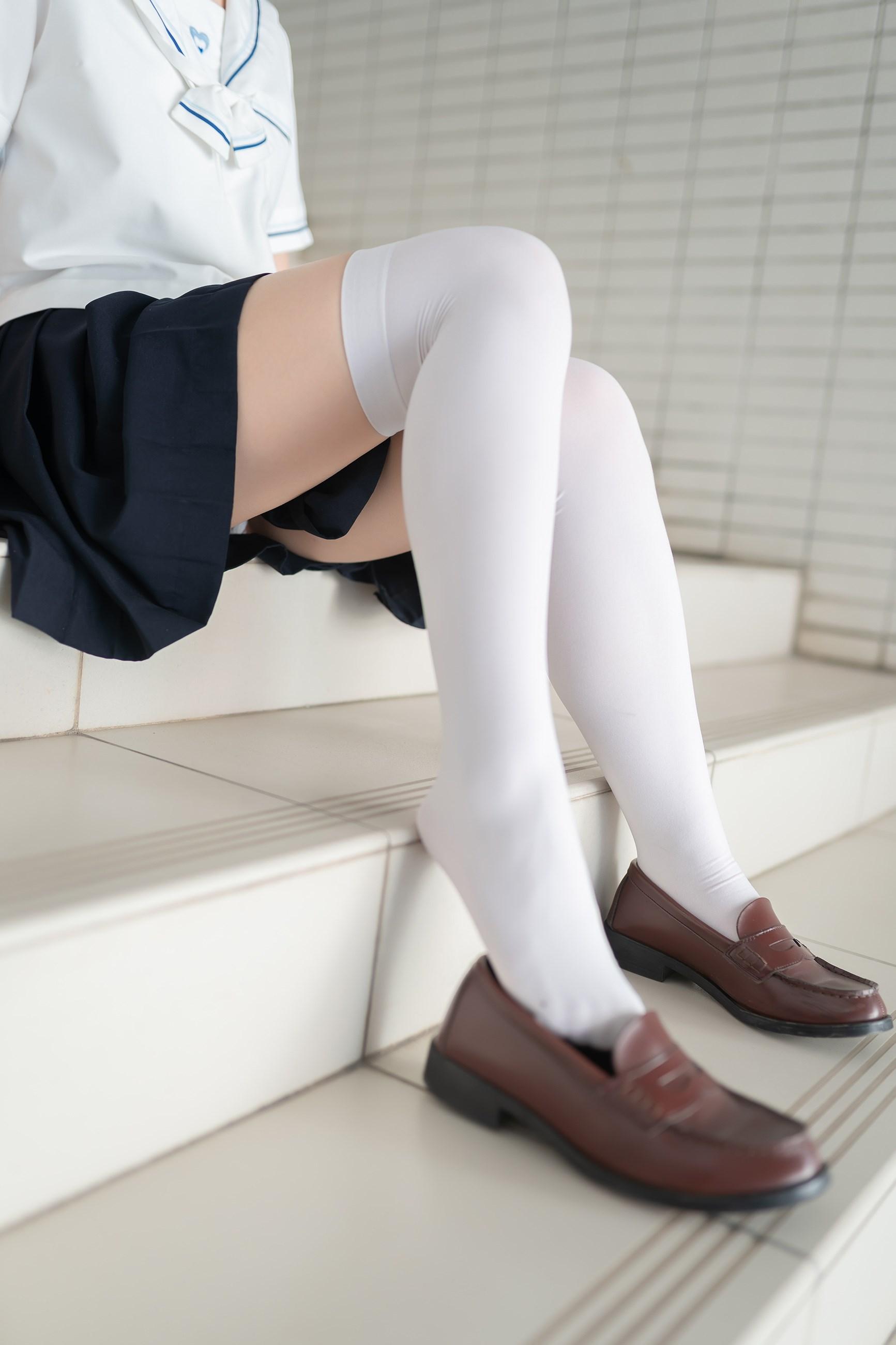 【兔玩映画】楼梯上的白丝少女 兔玩映画 第28张