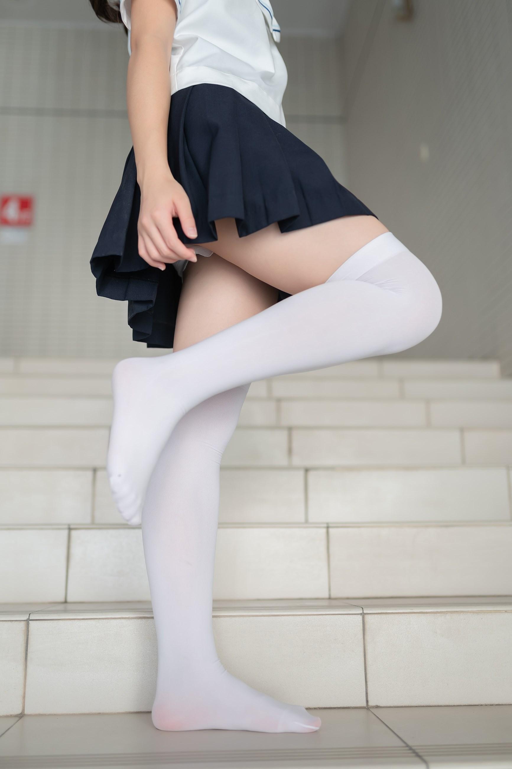 【兔玩映画】楼梯上的白丝少女 兔玩映画 第31张