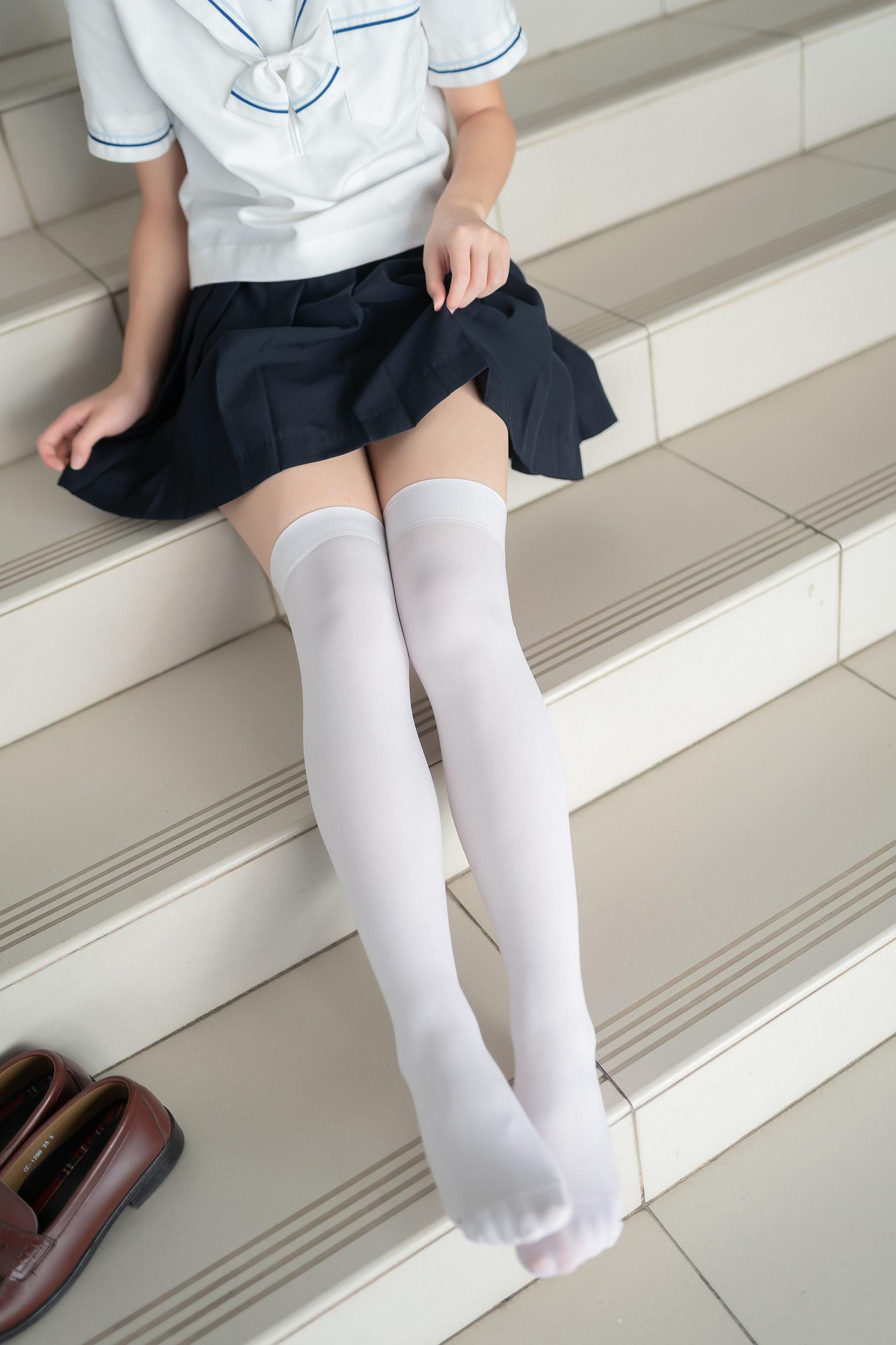 【兔玩映画】楼梯上的白丝少女 兔玩映画 第33张