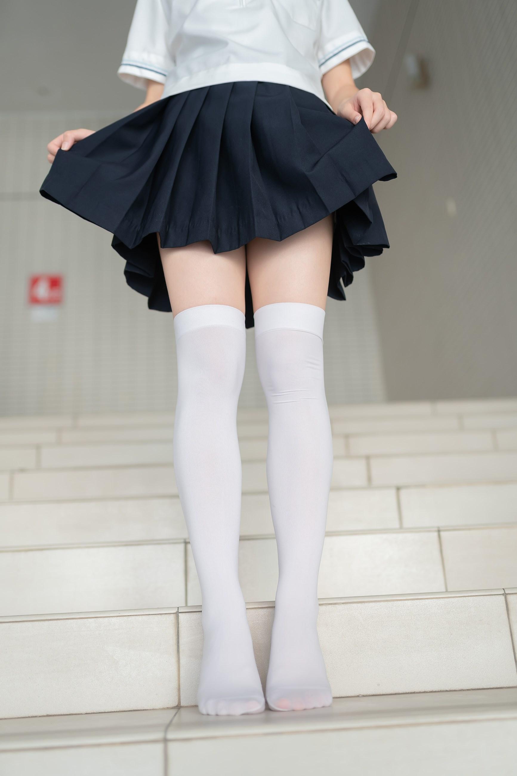 【兔玩映画】楼梯上的白丝少女 兔玩映画 第36张
