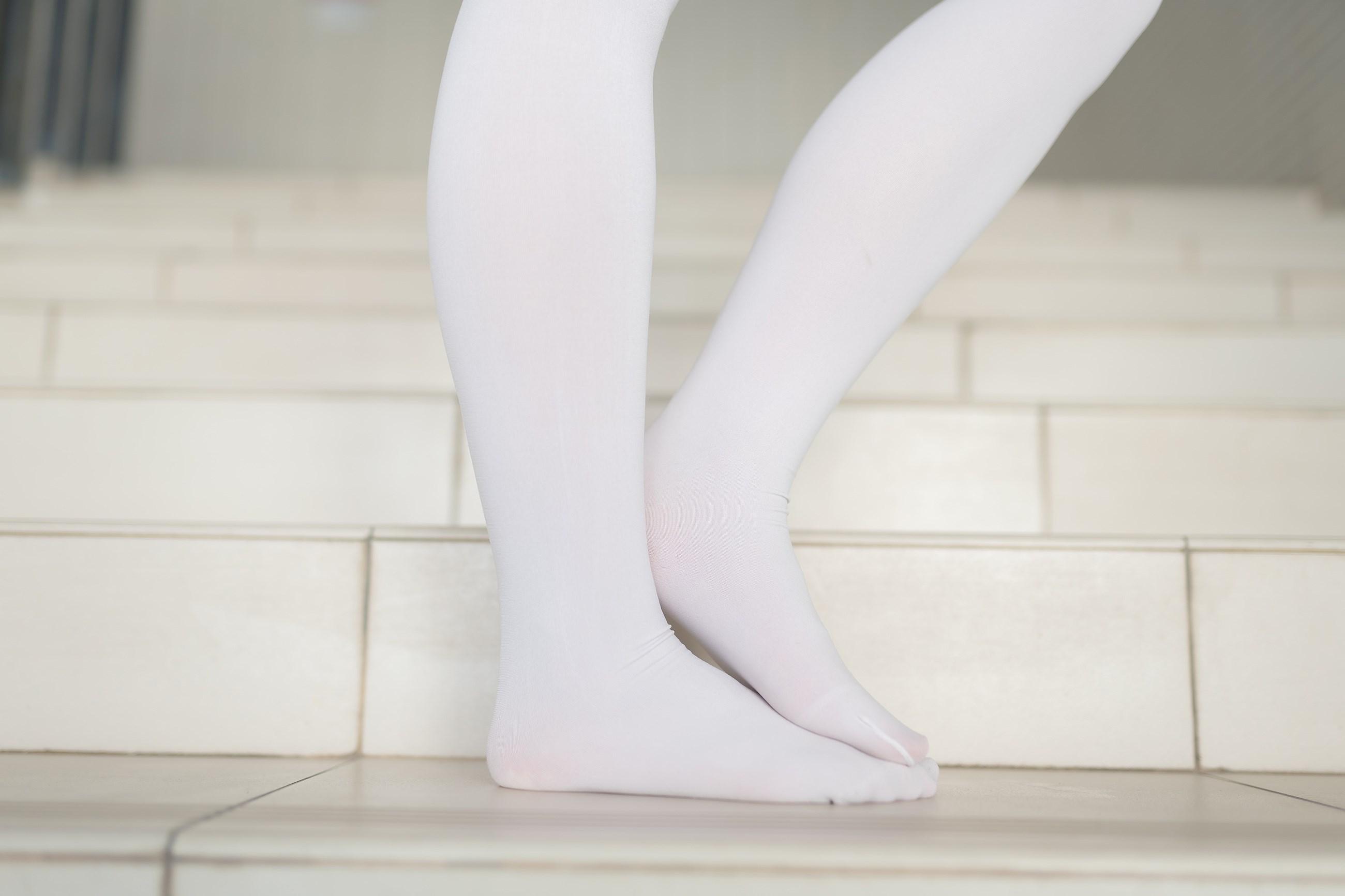 【兔玩映画】楼梯上的白丝少女 兔玩映画 第37张