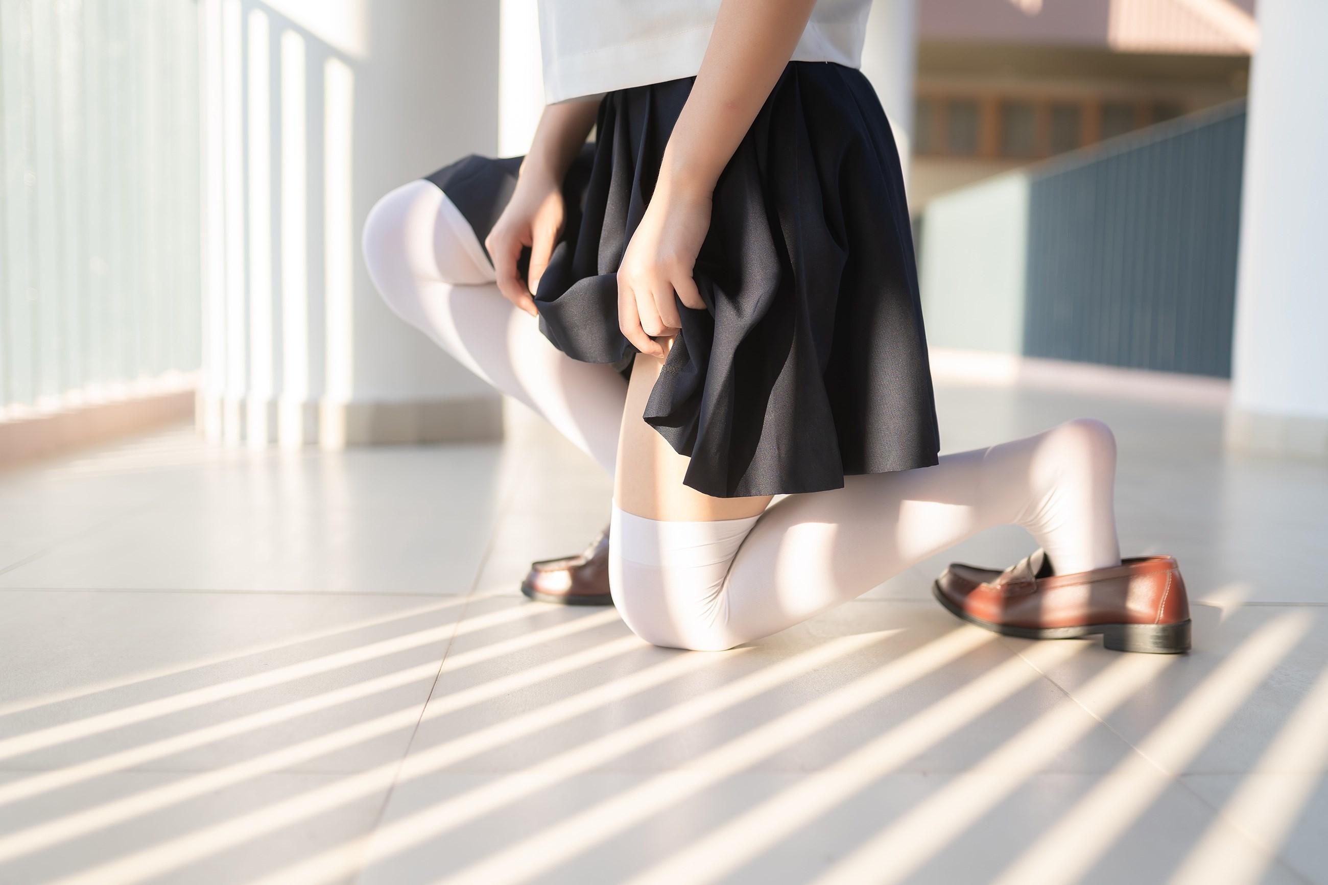 【兔玩映画】楼梯上的白丝少女 兔玩映画 第40张