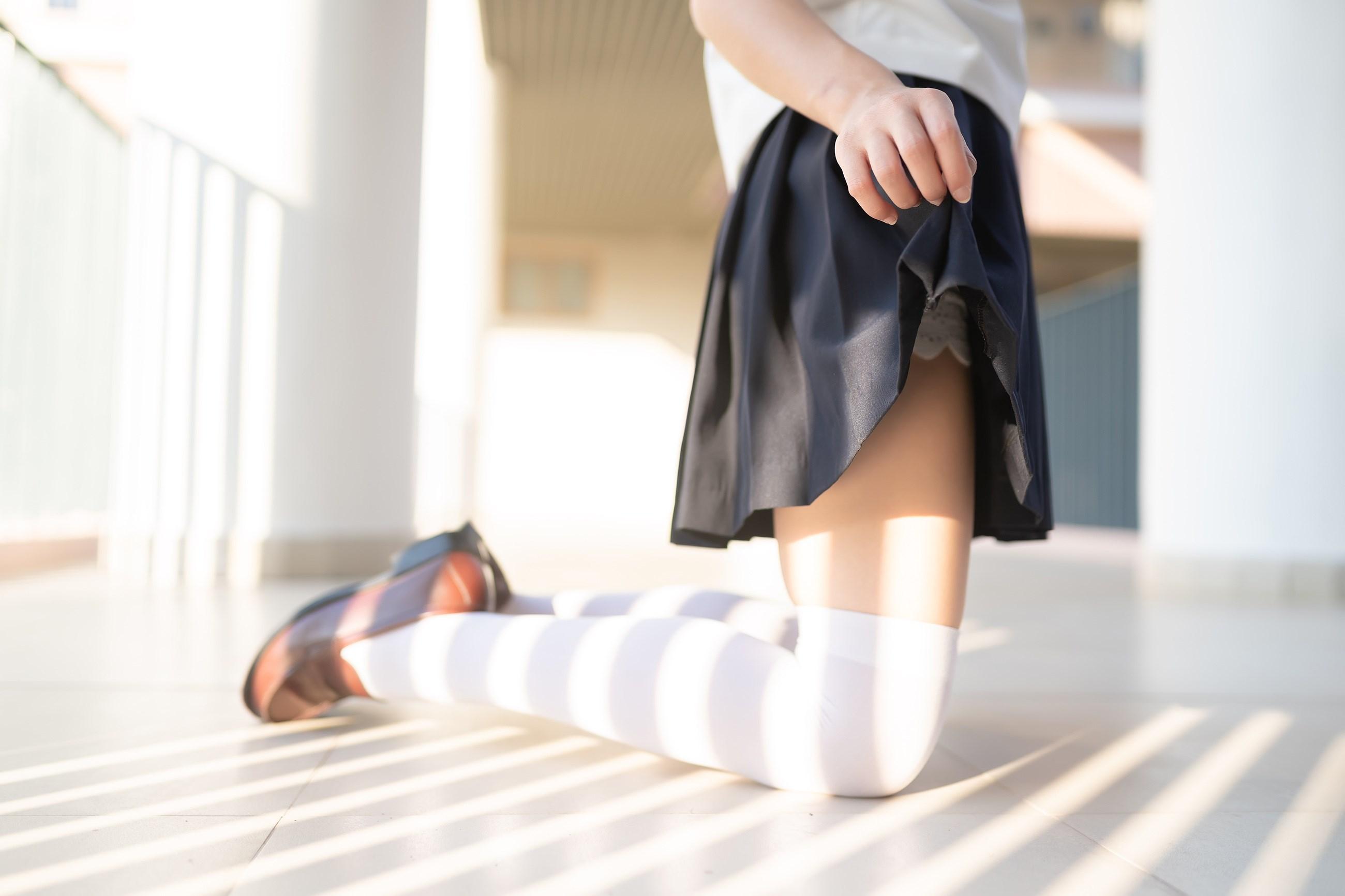 【兔玩映画】楼梯上的白丝少女 兔玩映画 第41张