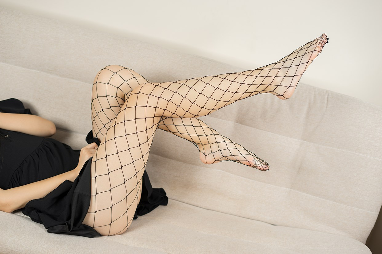 【兔玩映画】黑色网袜 兔玩映画 第4张