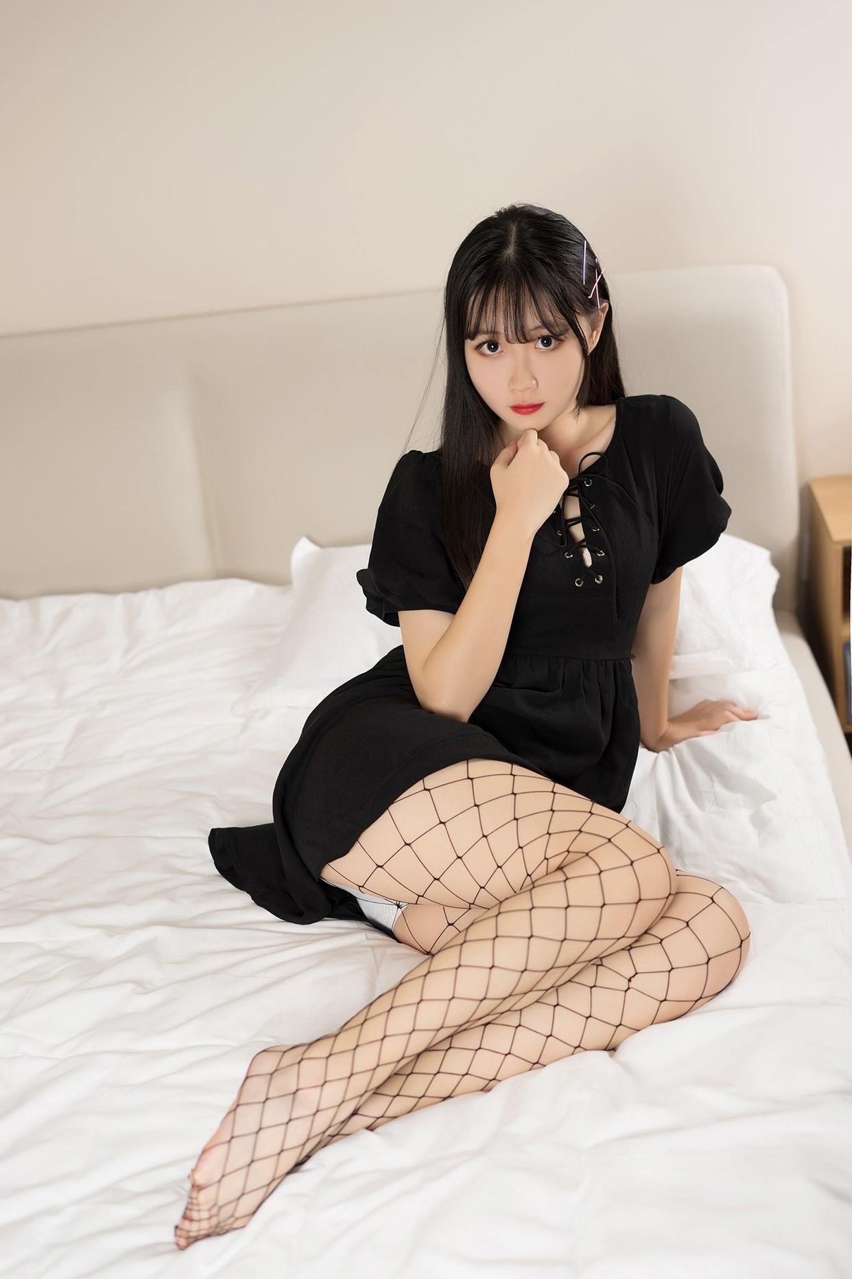 【兔玩映画】黑色网袜 兔玩映画 第17张
