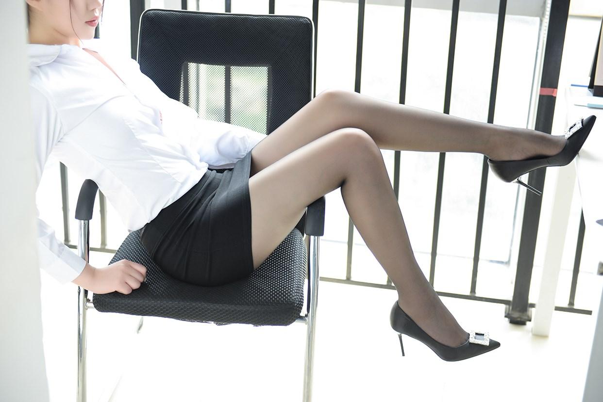 【兔玩映画】穿黑丝的白领姐姐 兔玩映画 第29张