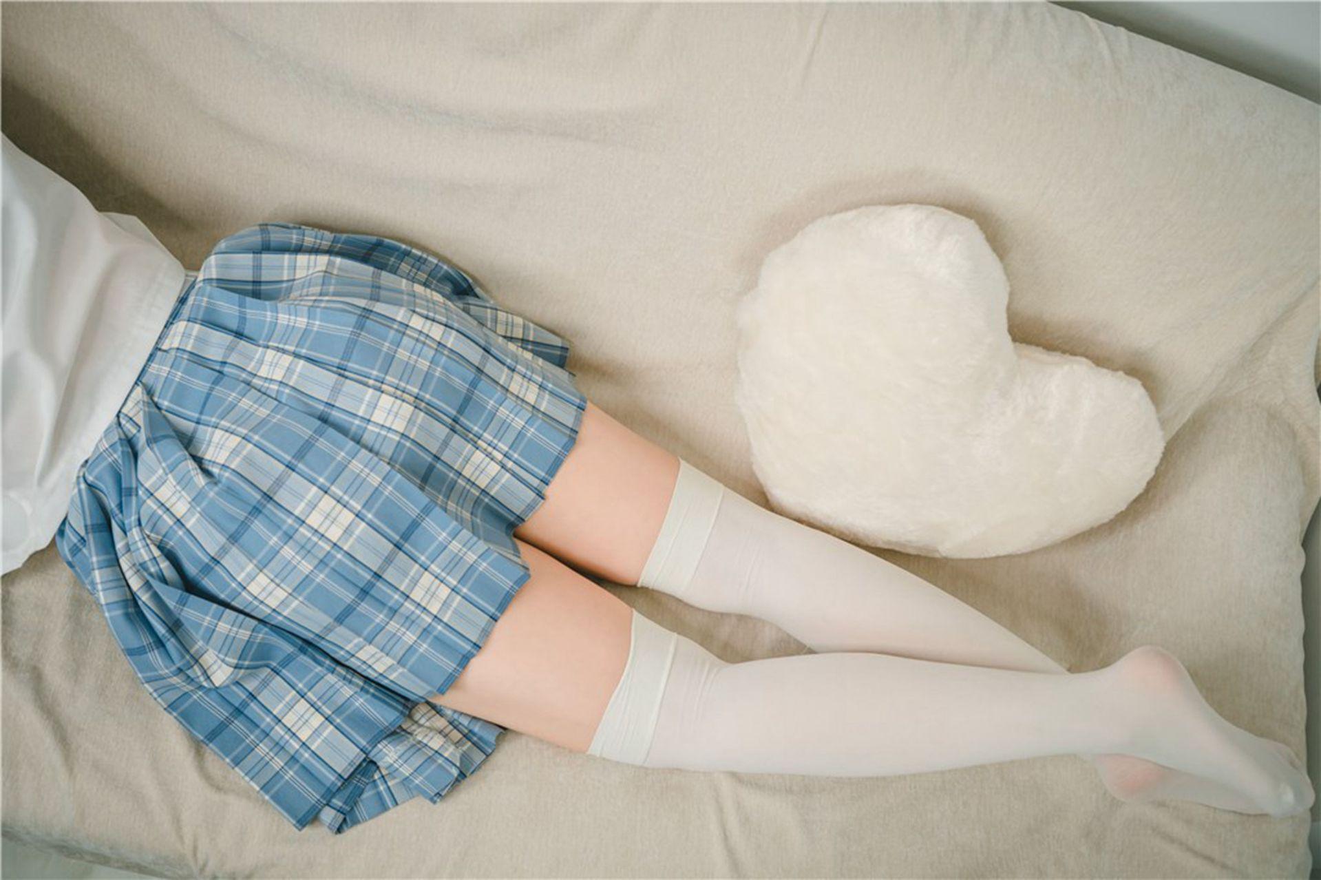 【风之领域】风之领域写真 NO.202 可爱少女的过膝白袜 [39P-260MB] 风之领域 第3张