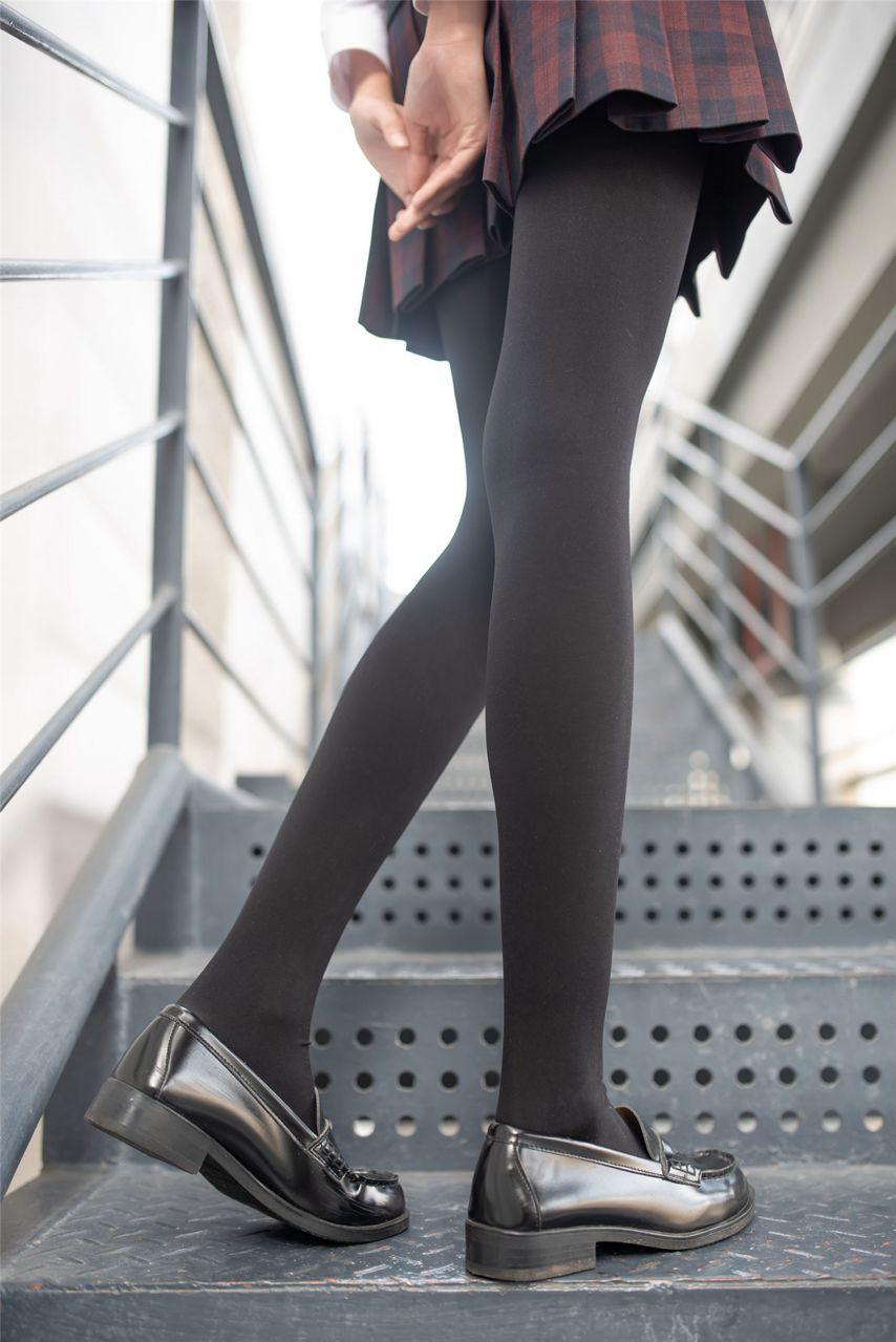 【风之领域】风之领域写真 NO.192 臭姐姐的腿怎么这么好看呢 [39P-354MB] 风之领域 第2张