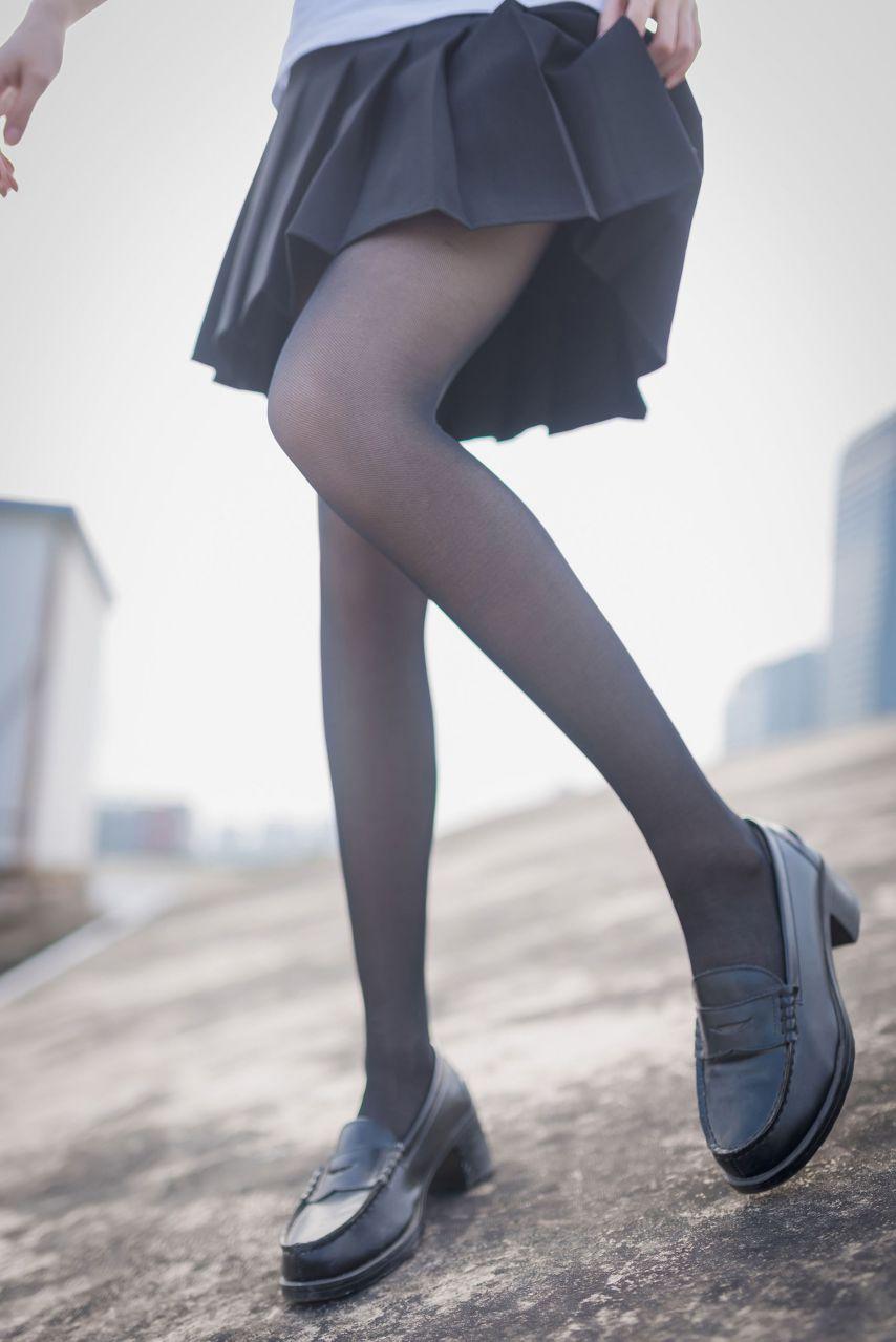 【风之领域】风之领域写真 NO.167 室外JK黑丝写真,好棒的美腿哟 [47P-163MB] 风之领域 第4张