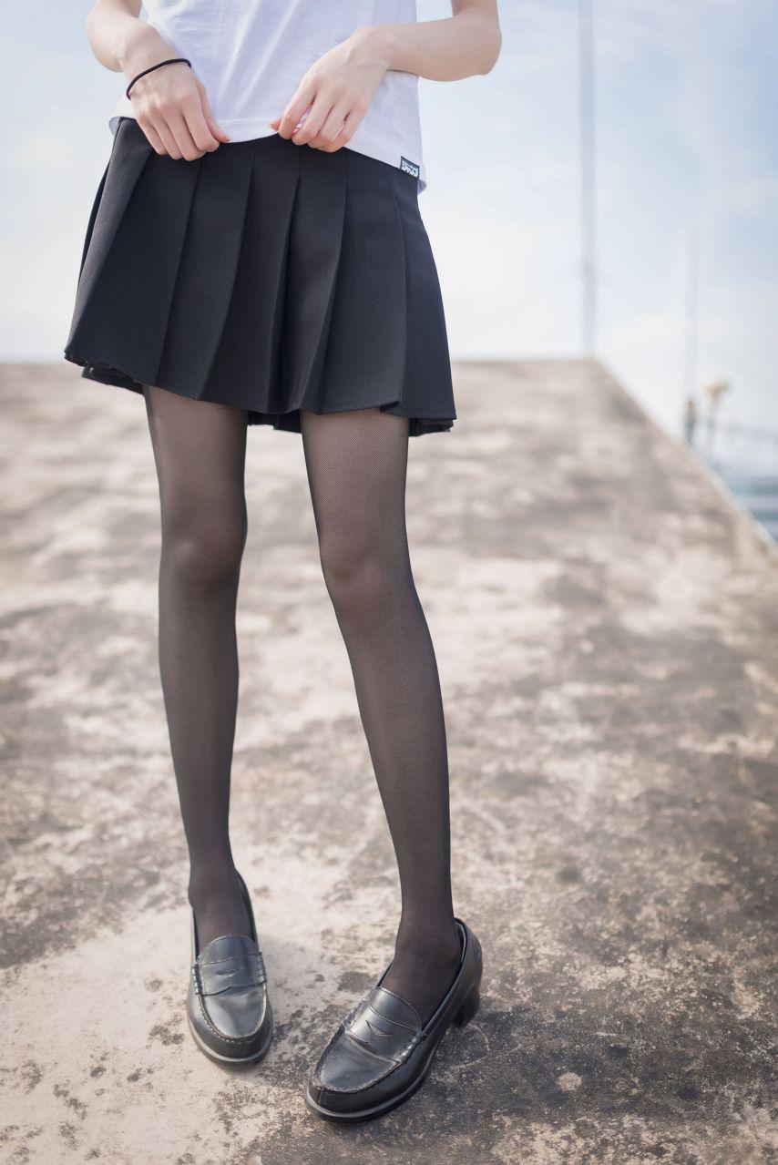 【风之领域】风之领域写真 NO.167 室外JK黑丝写真,好棒的美腿哟 [47P-163MB] 风之领域 第3张
