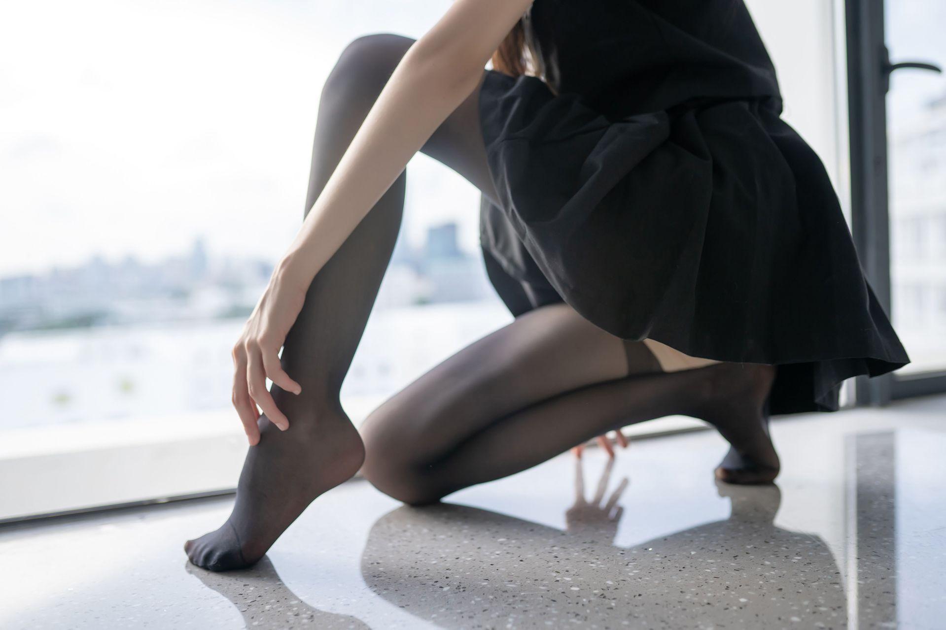 【风之领域】风之领域写真 NO.144 超短漏脐白色短裙套装 [48P-104MB] 风之领域 第2张