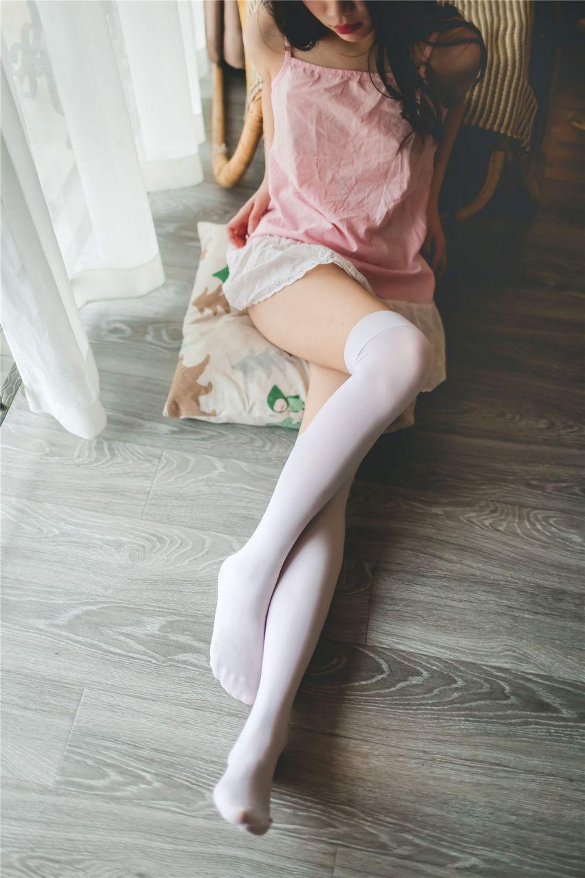 【风之领域】风之领域写真 NO.116 可爱的白色过膝袜私房照 [35P-121MB] 风之领域 第2张