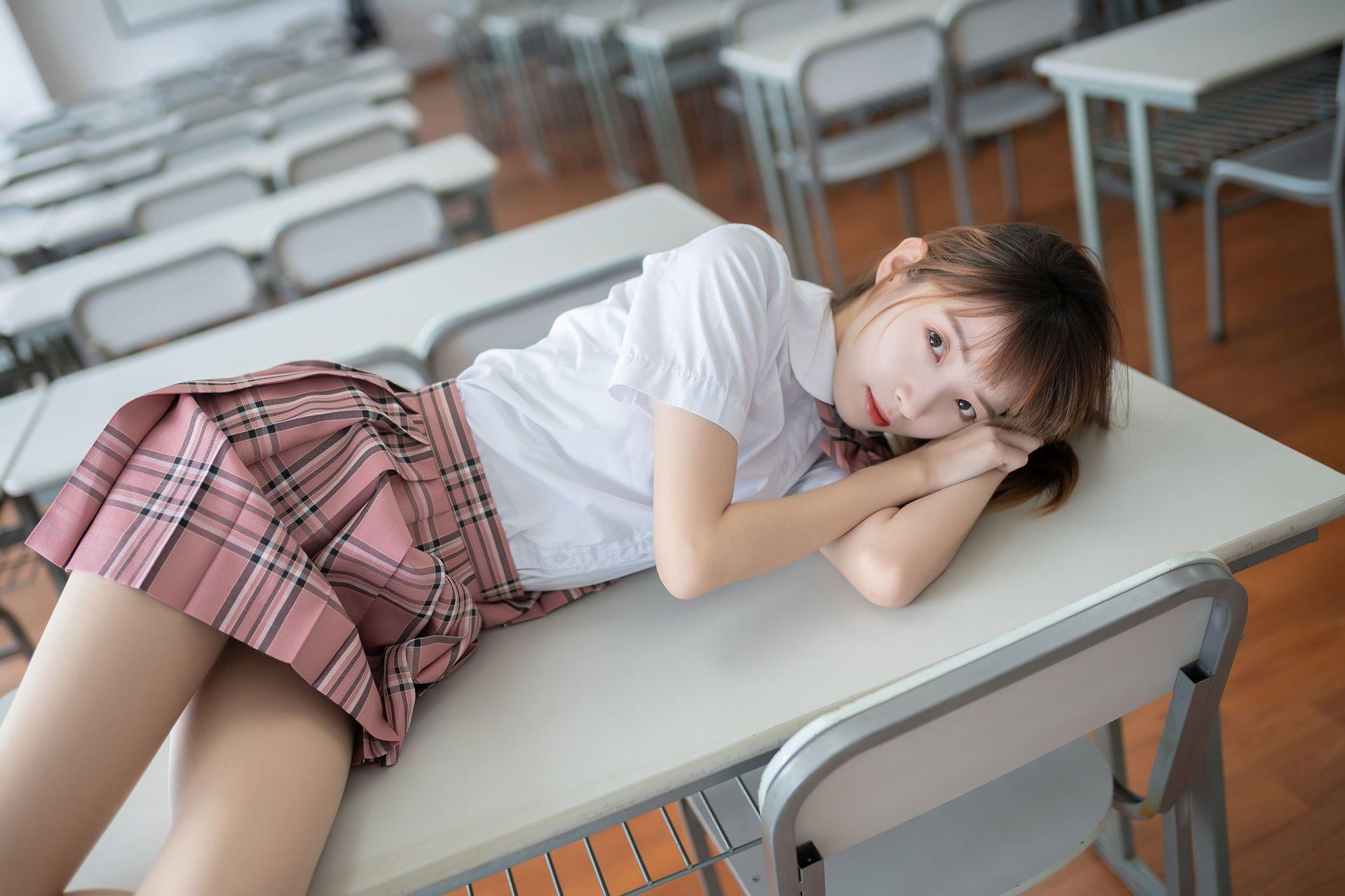 【风之领域】风之领域写真 NO.114 教室里的粉色短裙少女 [49P-123MB] 风之领域 第4张