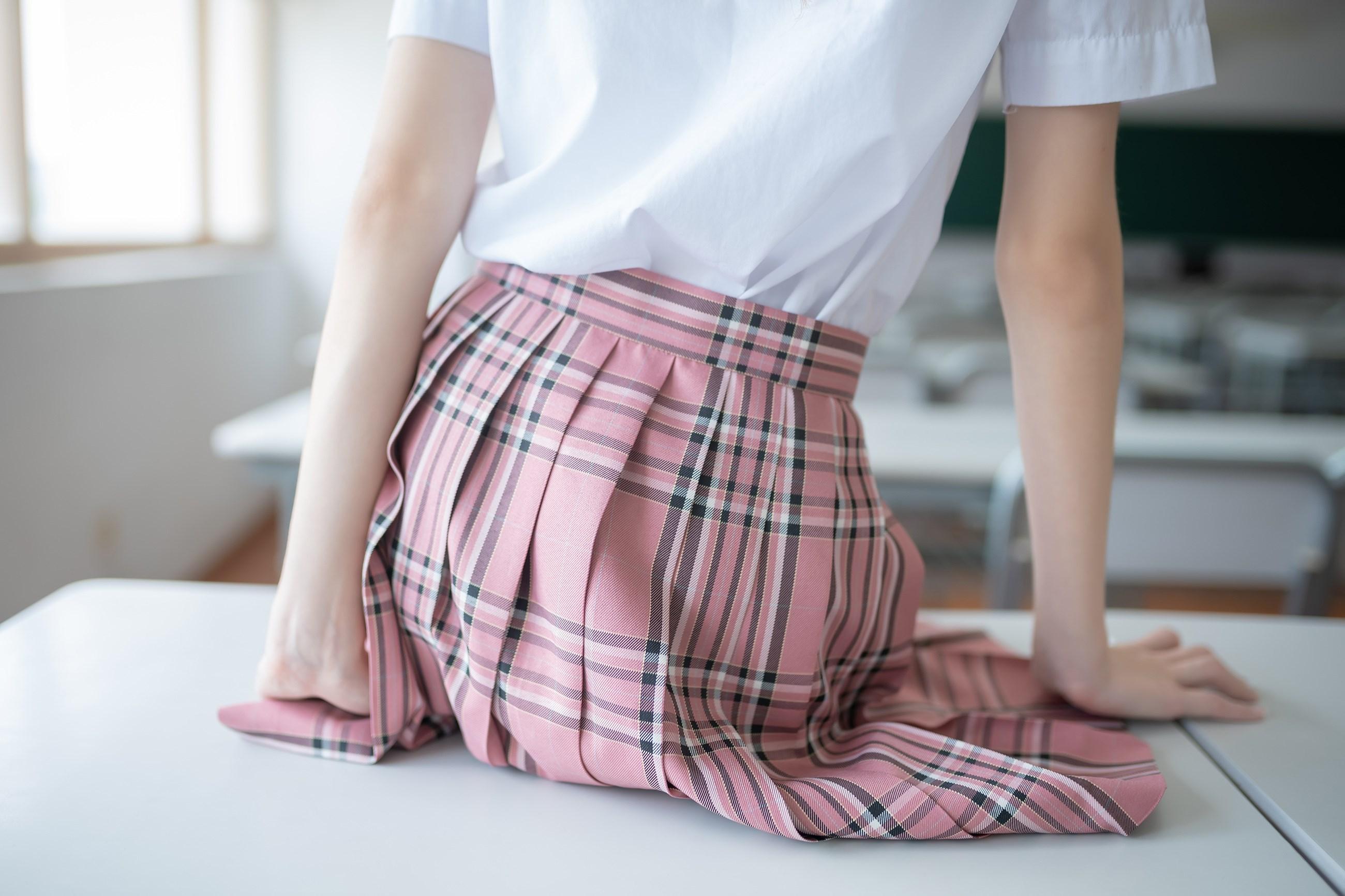 【兔玩映画】粉色格裙少女 兔玩映画 第8张