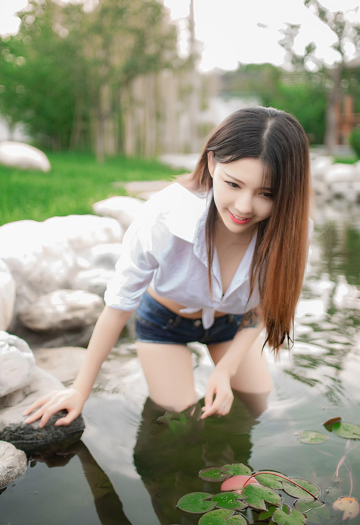 【兔玩映画】湿身的小姐姐 兔玩映画 第3张
