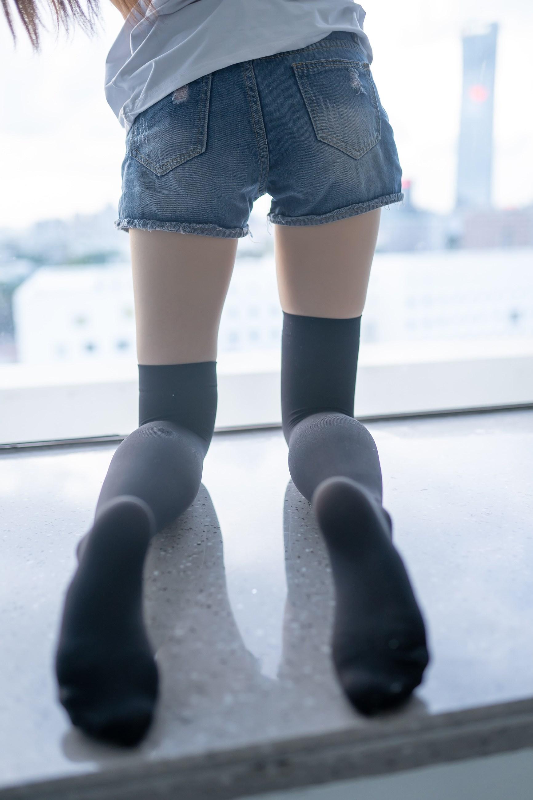 【兔玩映画】黑色半筒袜 兔玩映画 第25张
