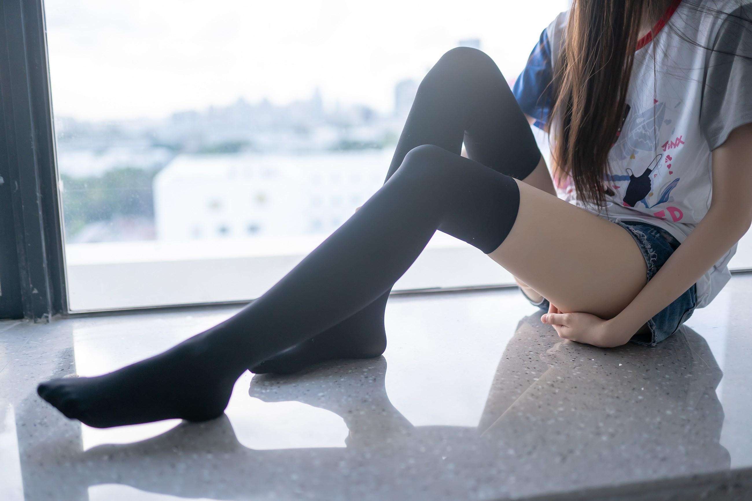 【兔玩映画】黑色半筒袜 兔玩映画 第20张