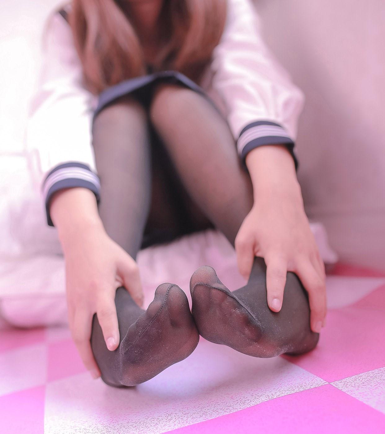 【兔玩映画】黑丝与肉丝 兔玩映画 第2张