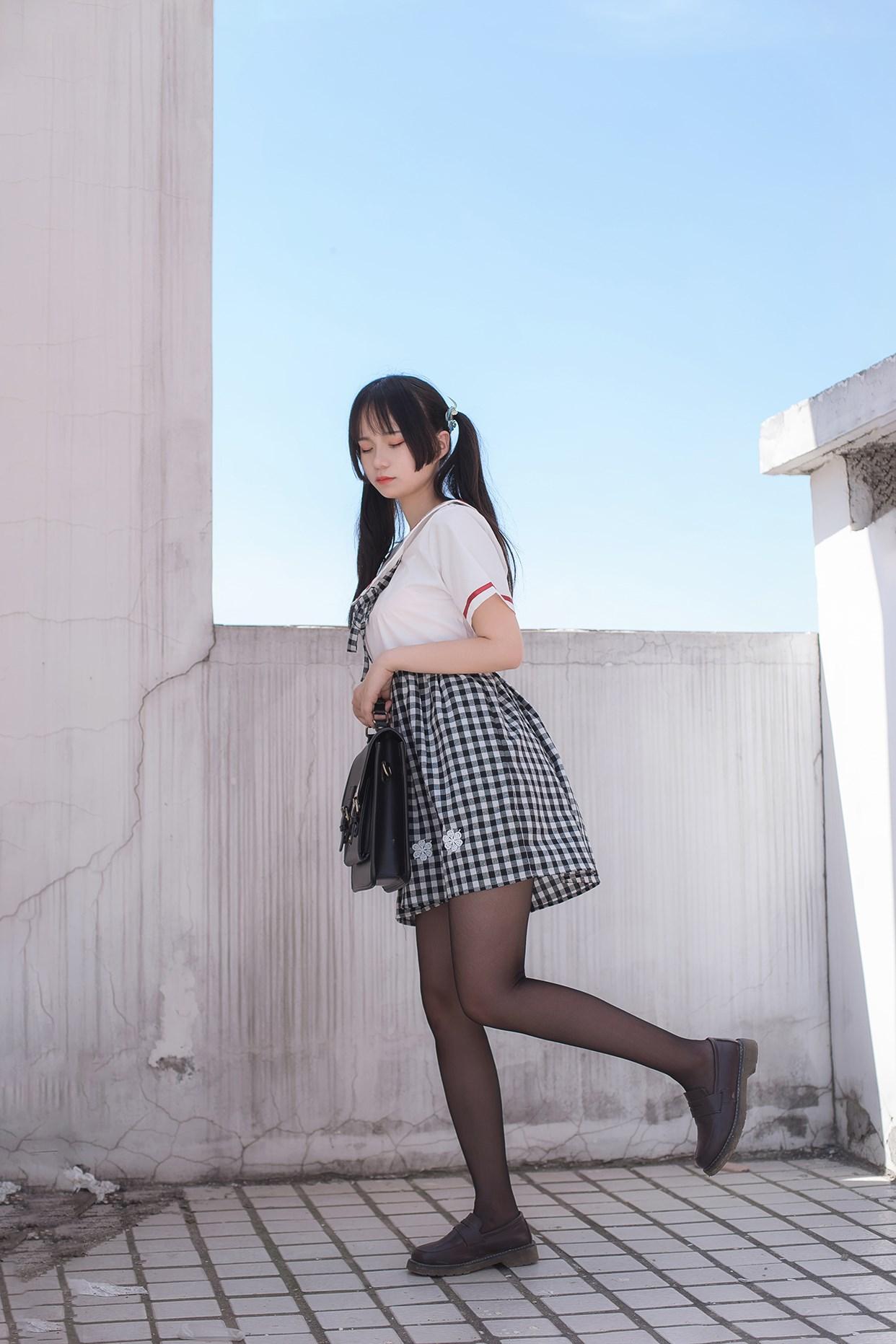 【兔玩映画】萝莉穿黑丝啦! 兔玩映画 第14张