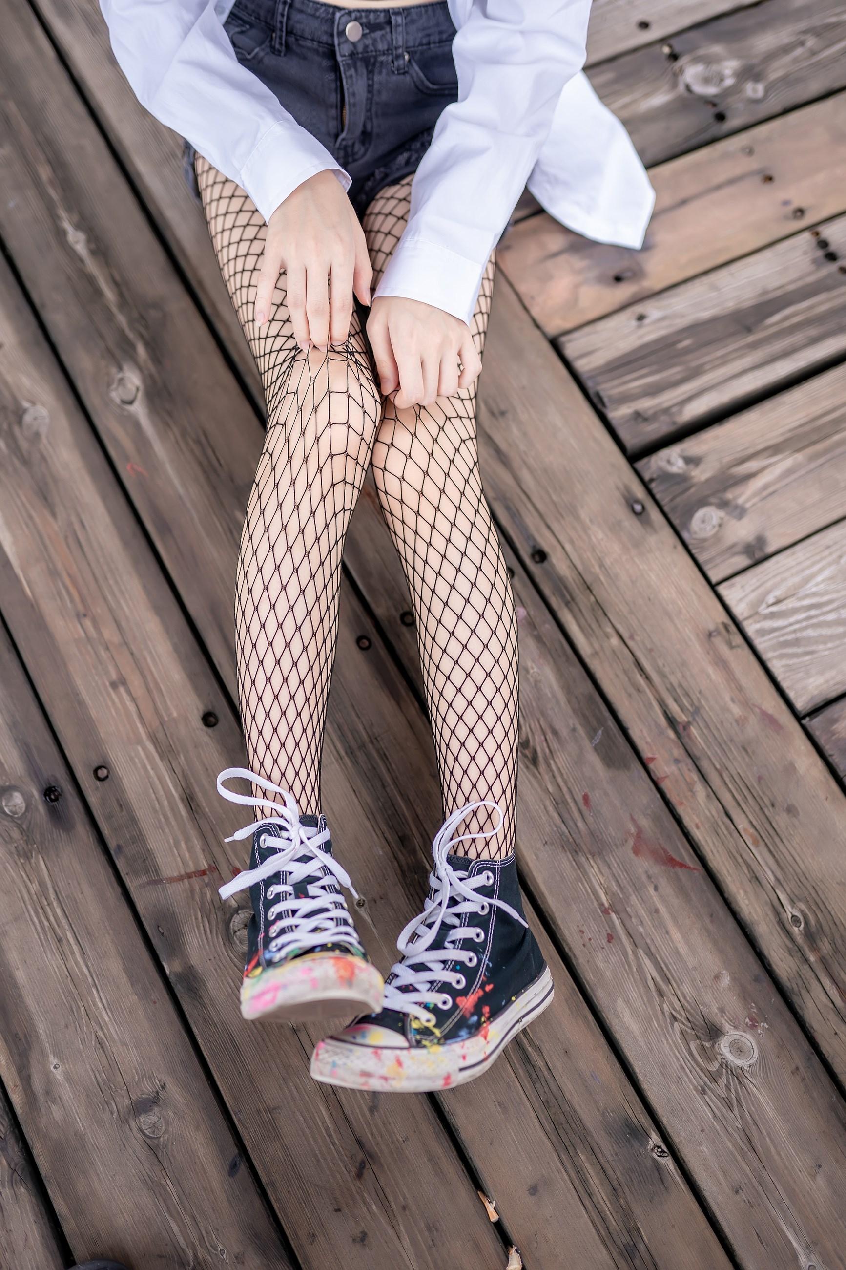 【兔玩映画】超喜欢的黑网袜 兔玩映画 第18张