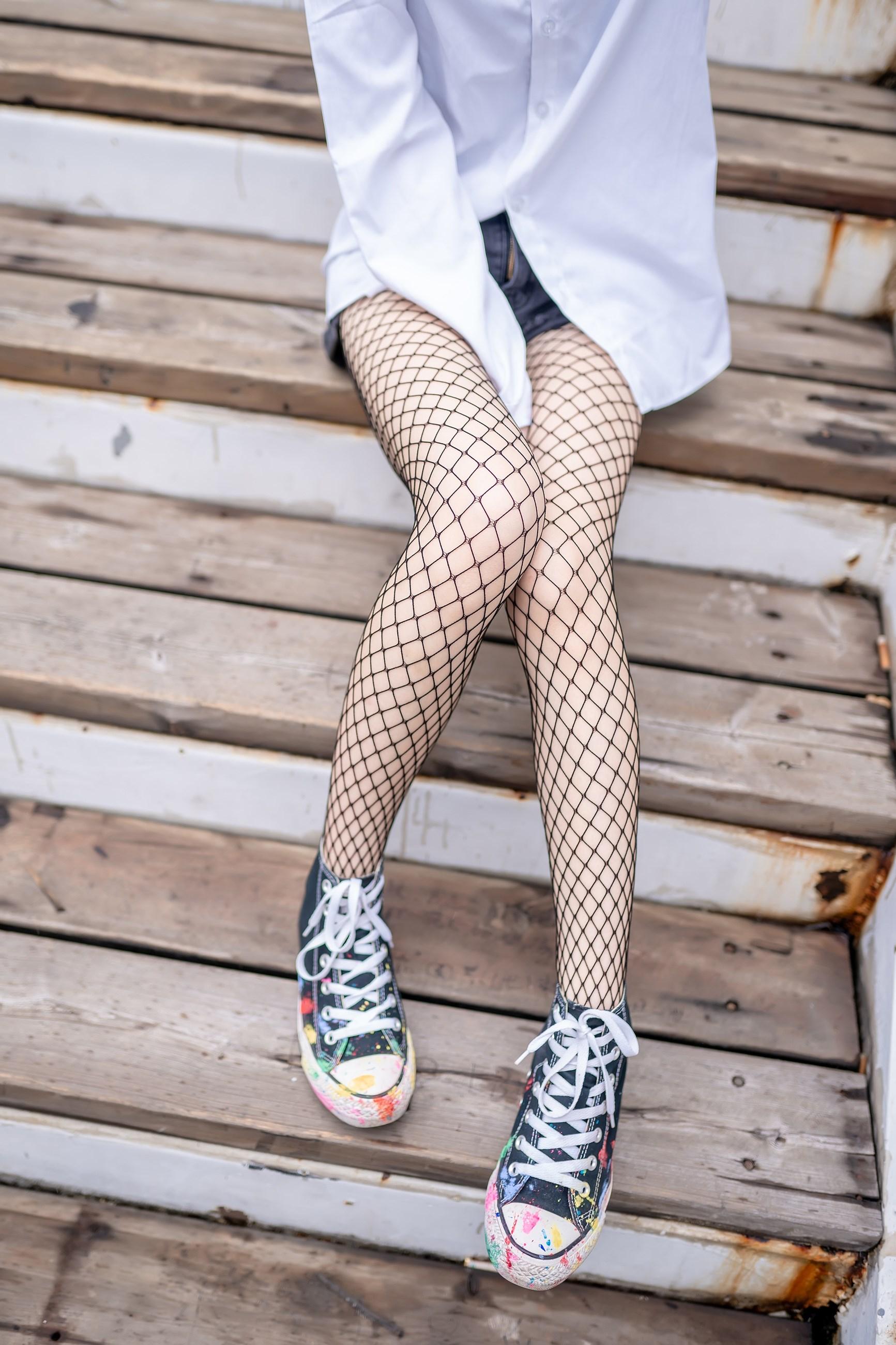【兔玩映画】超喜欢的黑网袜 兔玩映画 第7张
