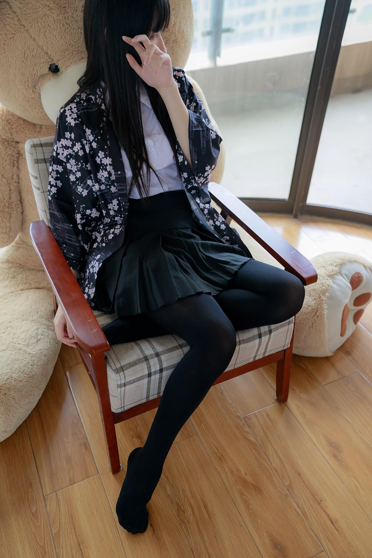 【兔玩映画】椅上的黑丝少女 兔玩映画 第21张
