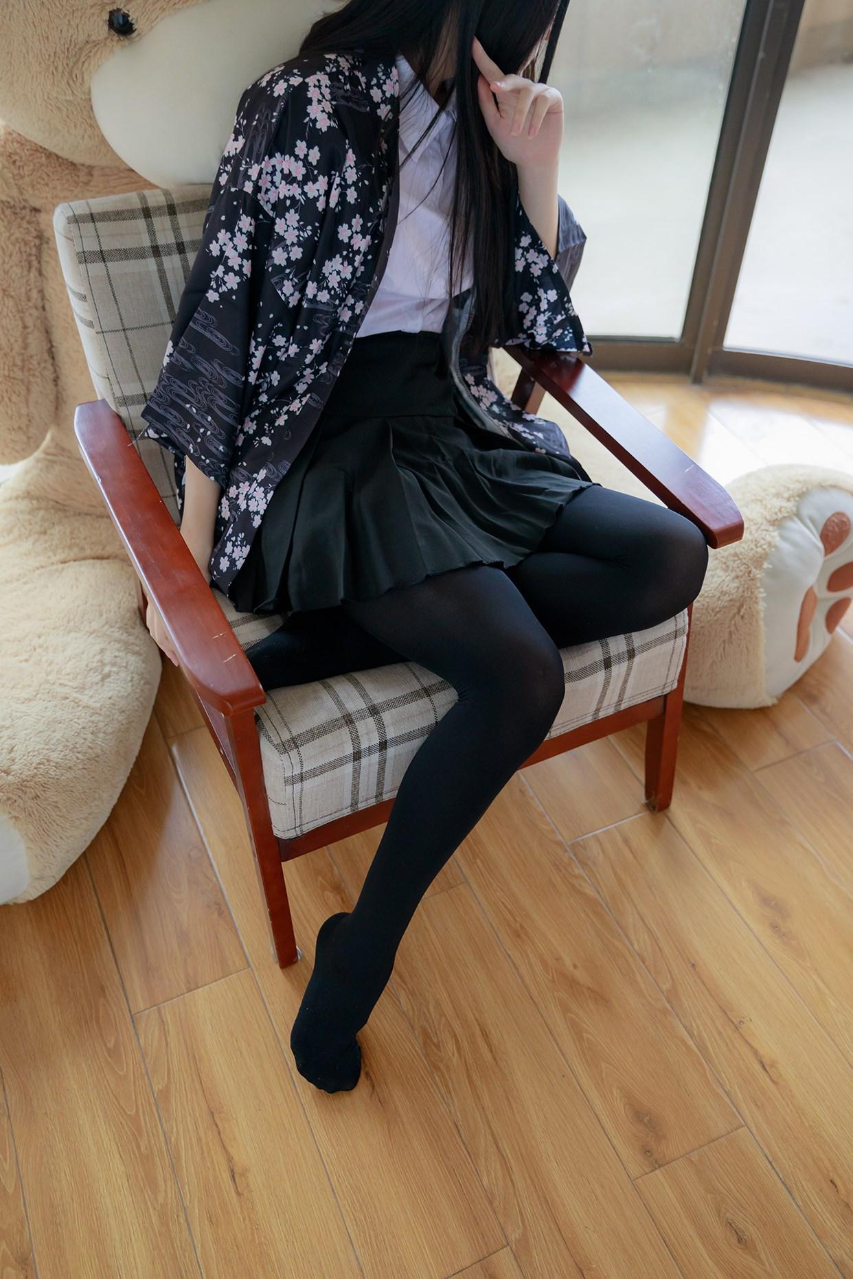 【兔玩映画】椅上的黑丝少女 兔玩映画 第20张