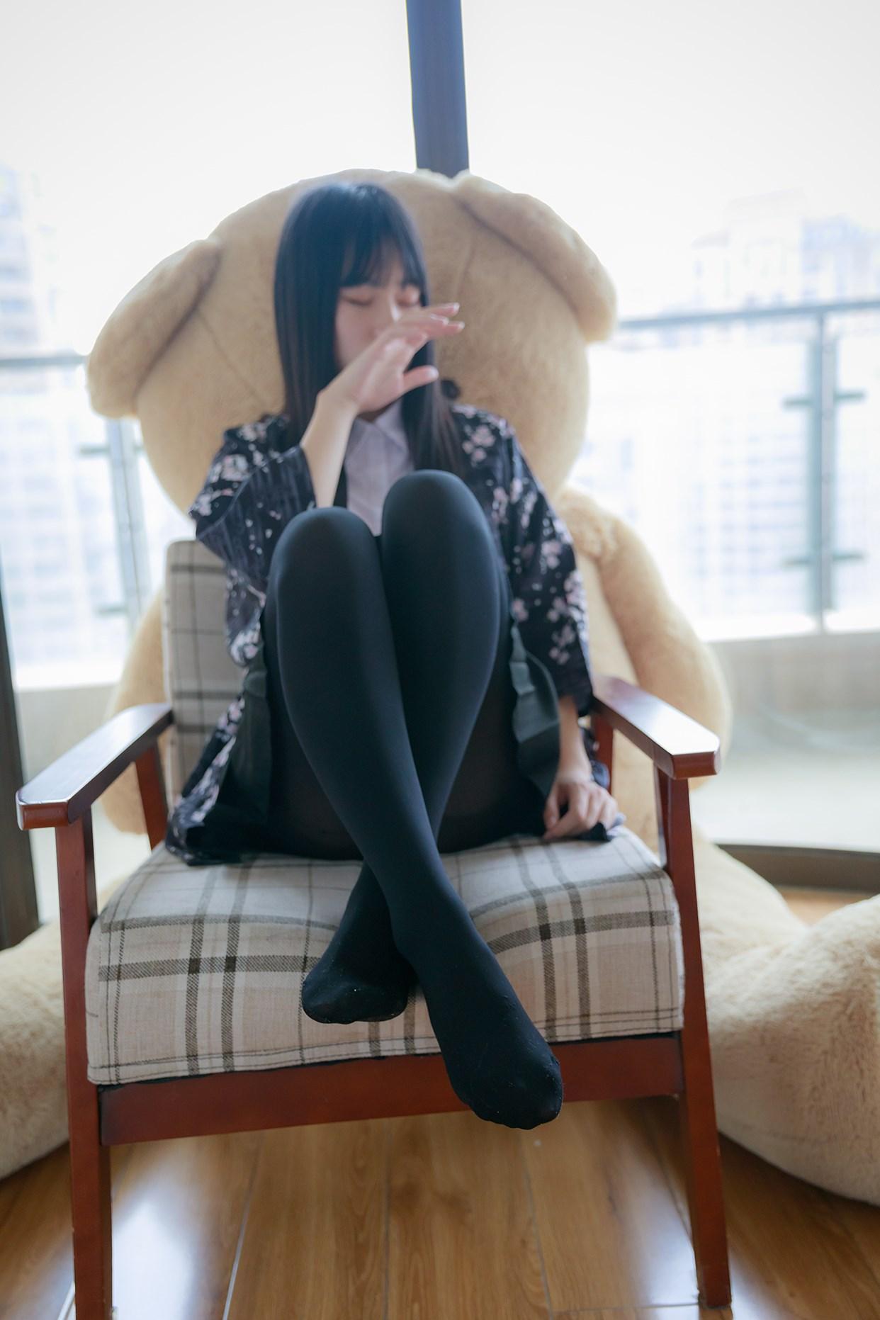 【兔玩映画】椅上的黑丝少女 兔玩映画 第17张