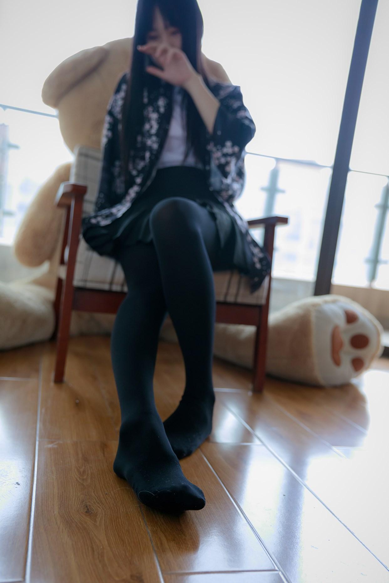 【兔玩映画】椅上的黑丝少女 兔玩映画 第16张