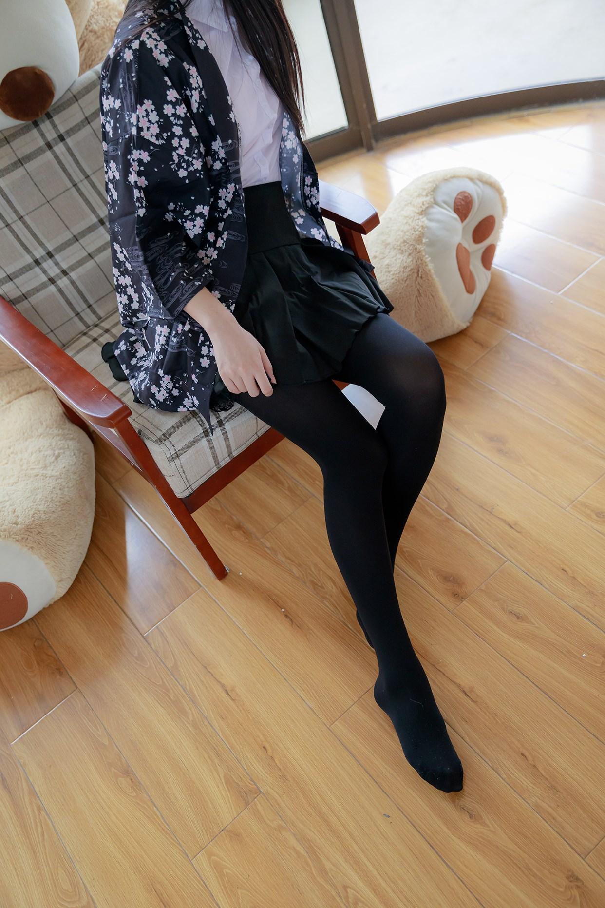 【兔玩映画】椅上的黑丝少女 兔玩映画 第12张