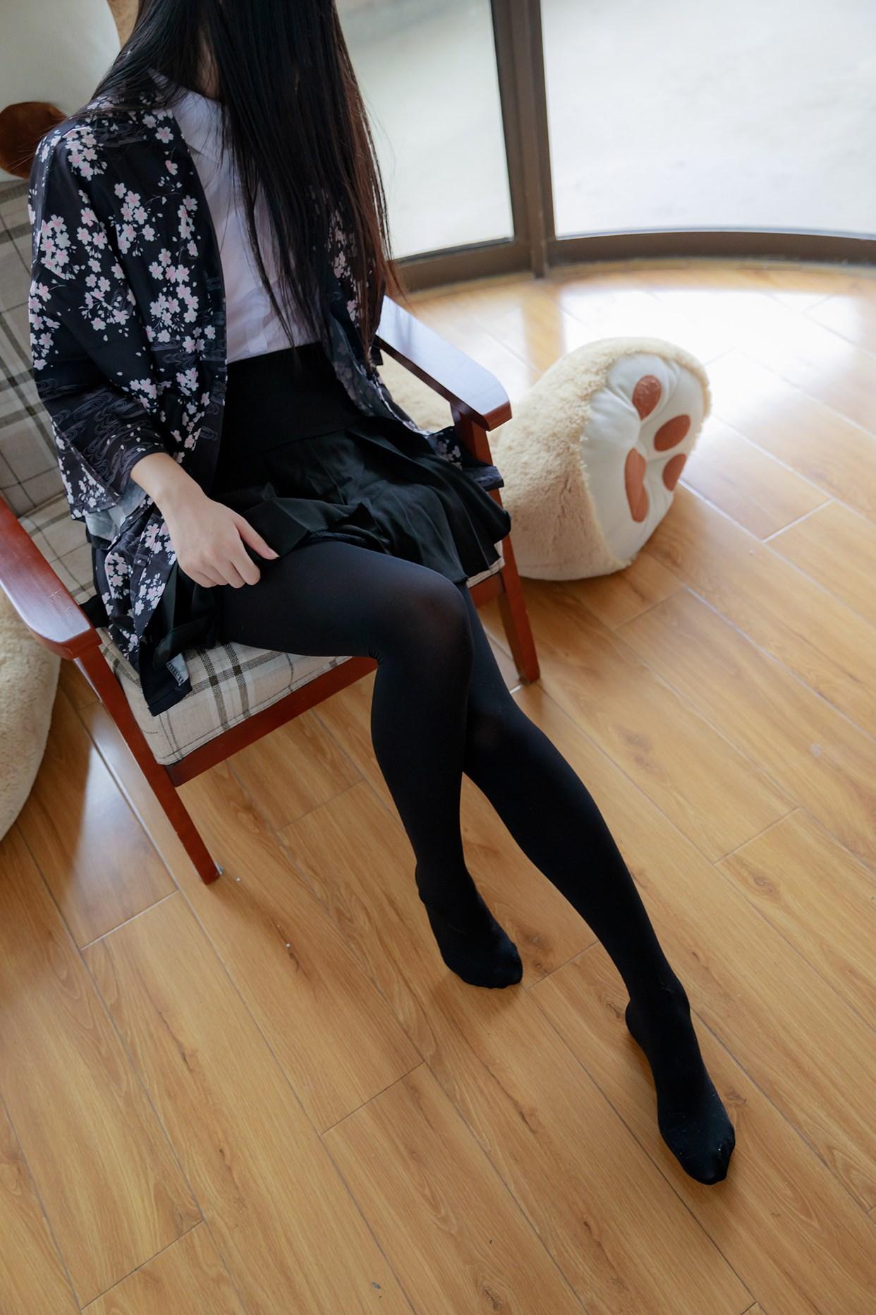 【兔玩映画】椅上的黑丝少女 兔玩映画 第11张
