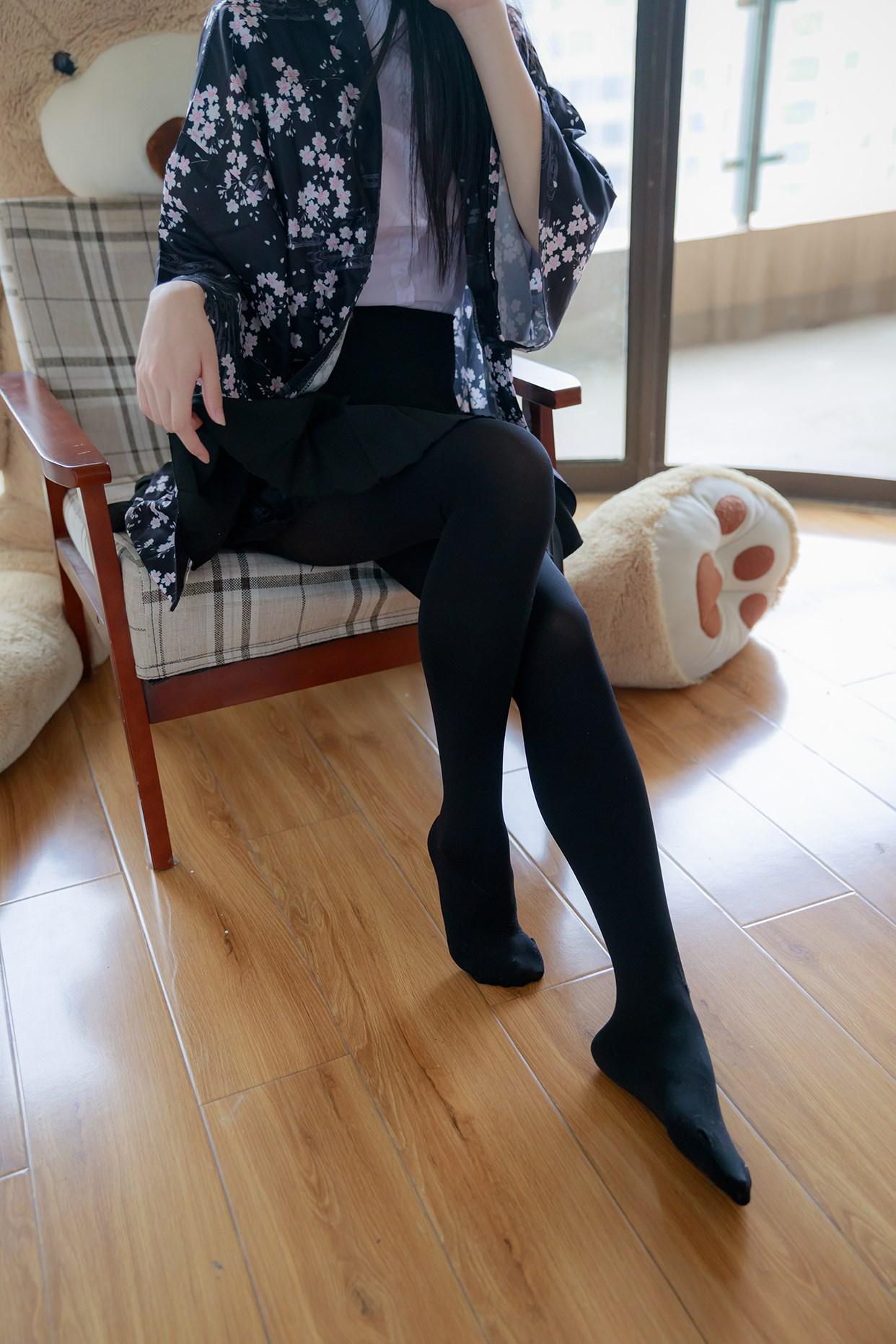 【兔玩映画】椅上的黑丝少女 兔玩映画 第10张
