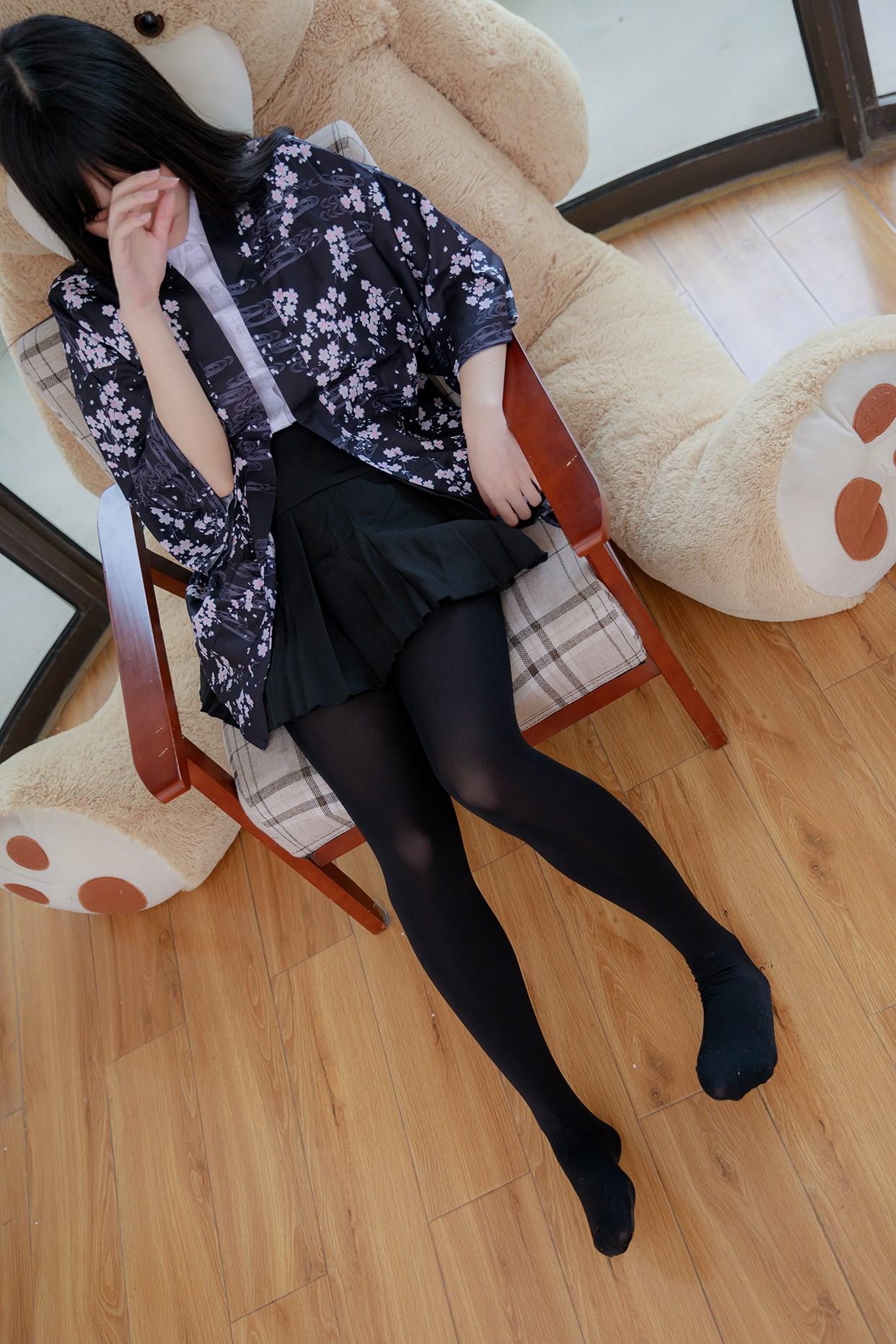 【兔玩映画】椅上的黑丝少女 兔玩映画 第6张