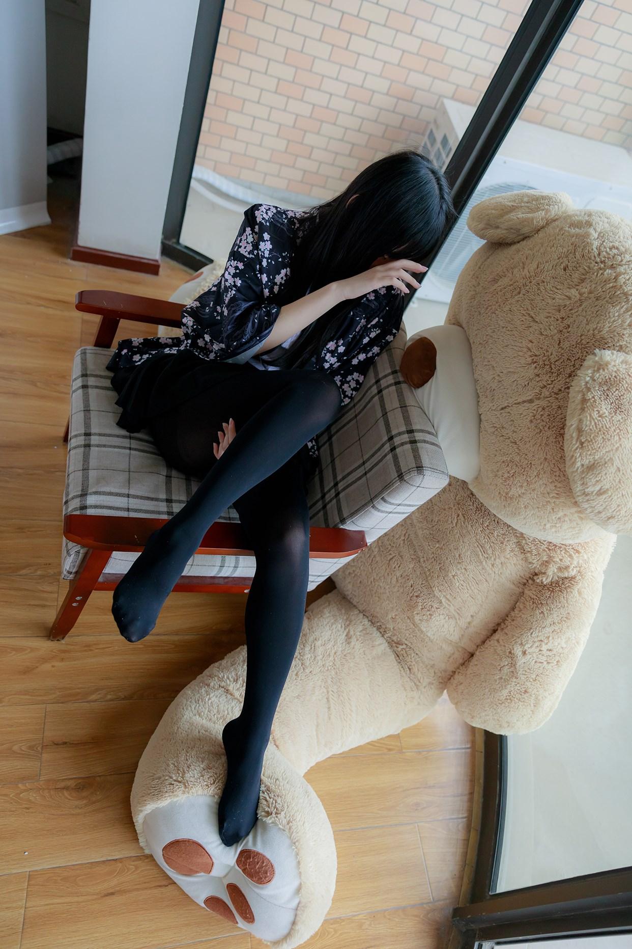 【兔玩映画】椅上的黑丝少女 兔玩映画 第4张