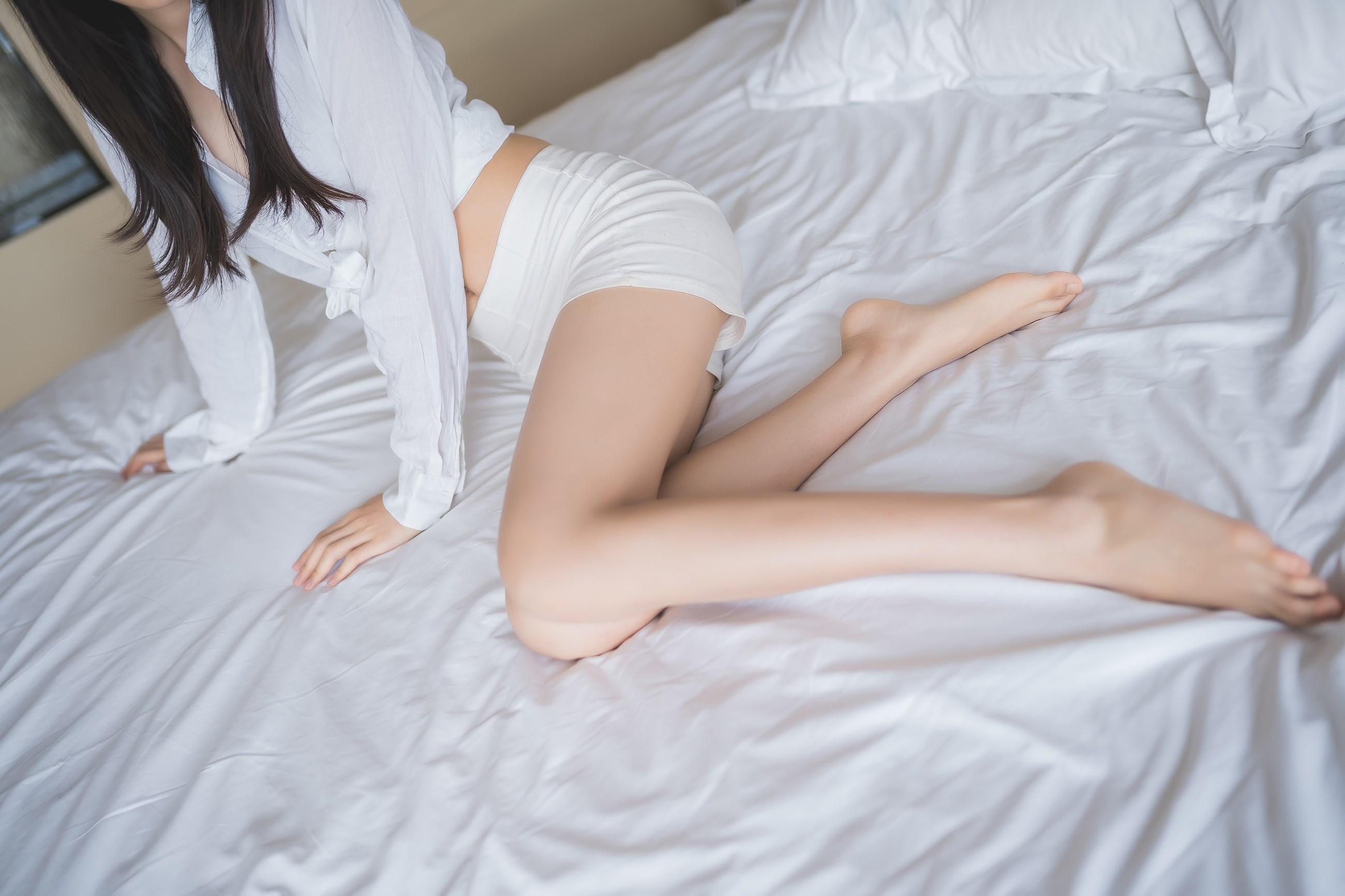 【兔玩映画】床上的果腿 兔玩映画 第4张
