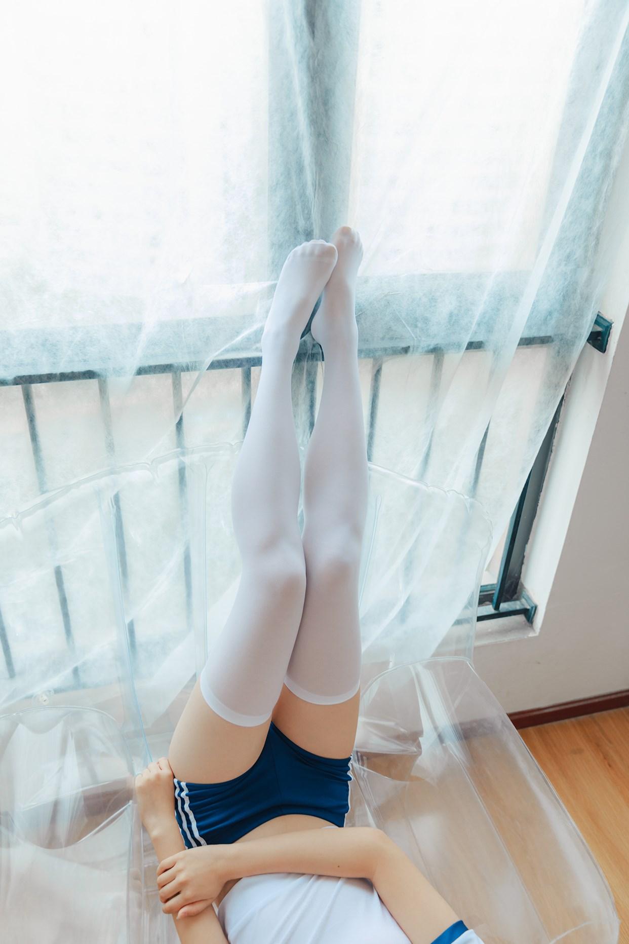 【兔玩映画】透明椅上的白丝! 兔玩映画 第30张