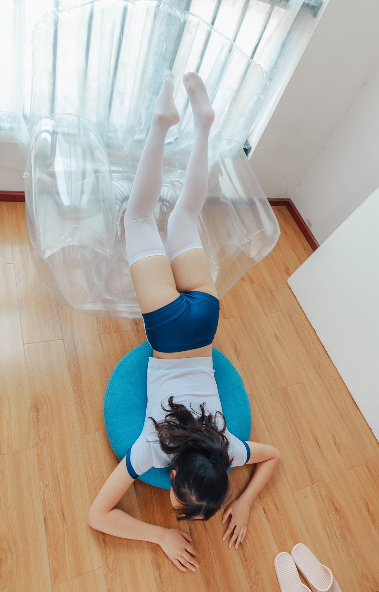 【兔玩映画】透明椅上的白丝! 兔玩映画 第17张